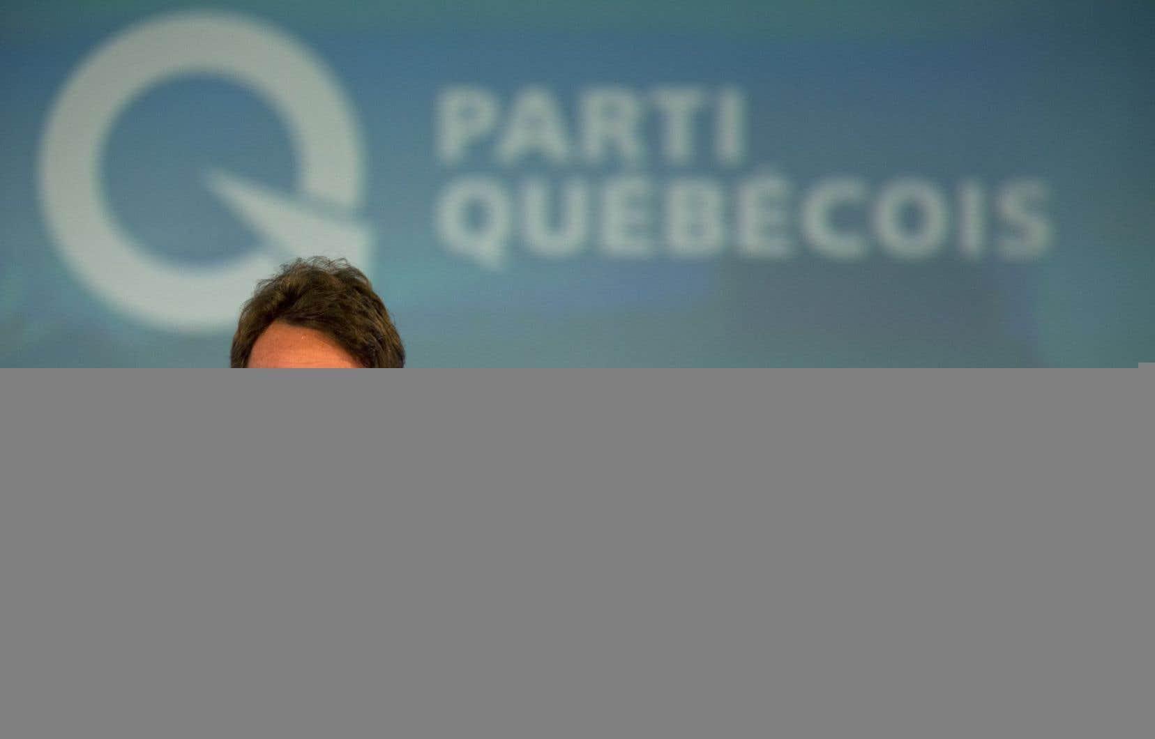 Pierre Karl Péladeau avait été pressé de se départir de sa participation dans Québecor dès son entrée en politique.