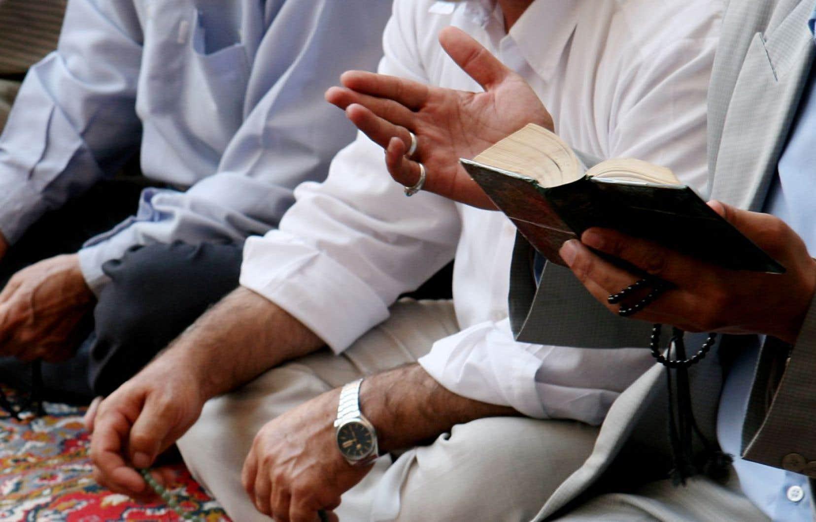 En 2015-2016, le Service a reçu deux fois plus de demandes pour des accommodements raisonnables touchant des handicaps que pour des accommodements religieux.