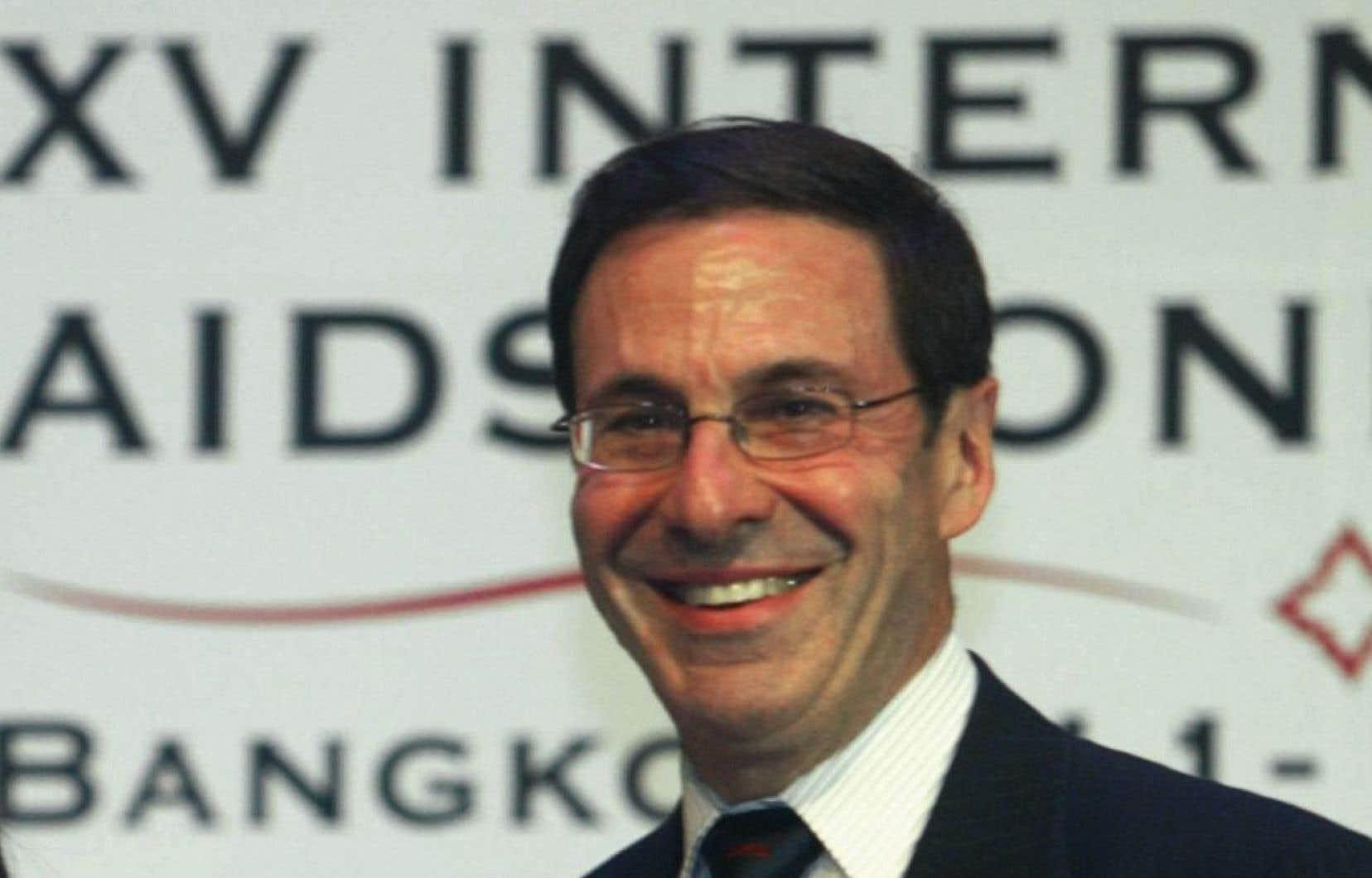 Mark Wainberg lors de la 15e Conférence internationale sur le sida à Bangkok, en 2004