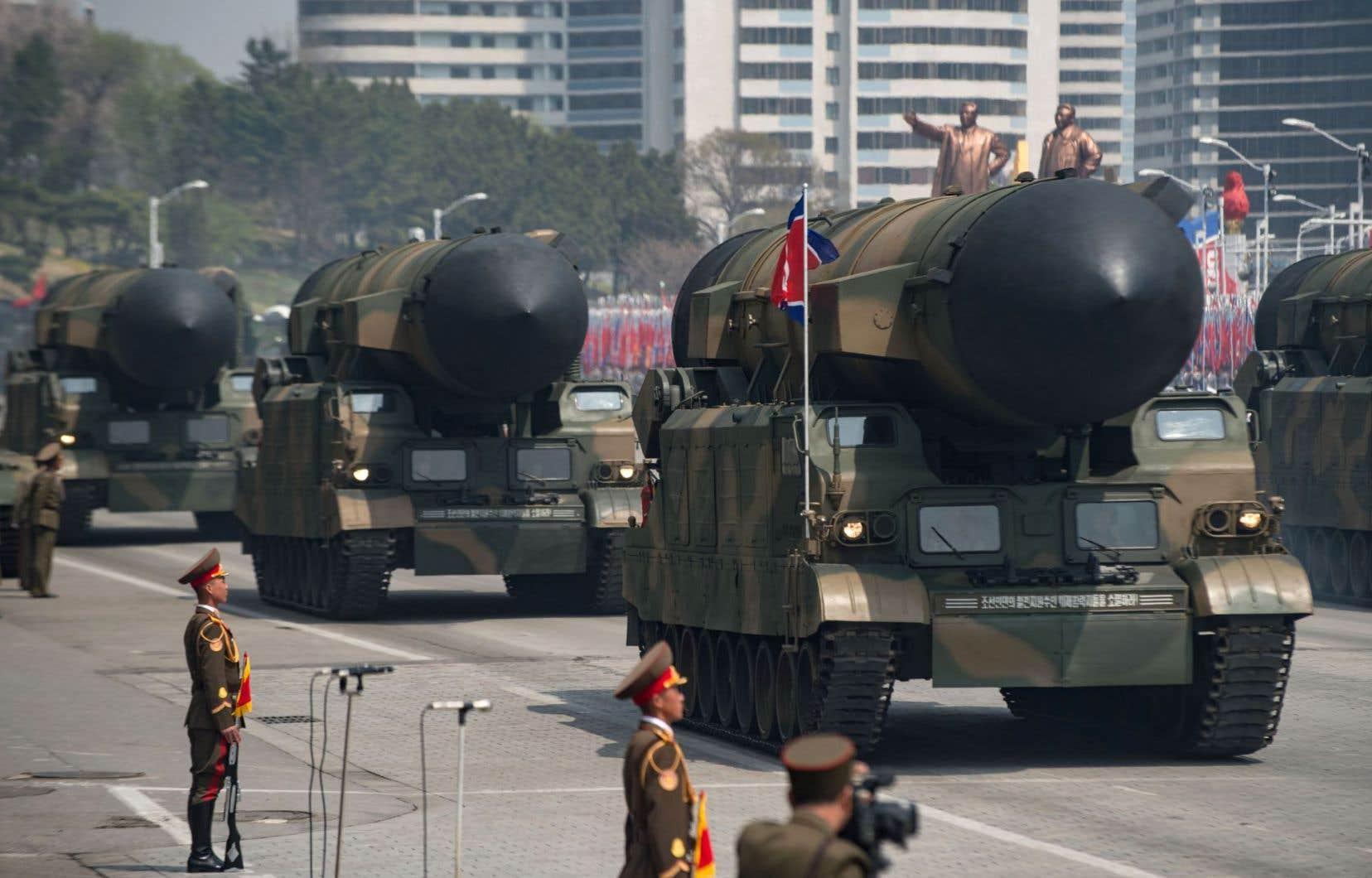 Selon des spécialistes militaires, certains des missiles présentés samedi pourraient être de nouveaux missiles balistiques intercontinentaux.