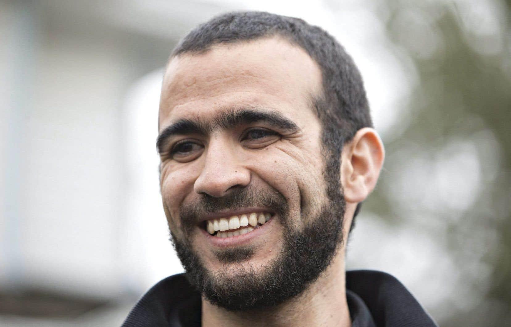 Omar Khadr après sa sortie de prison, en 2015