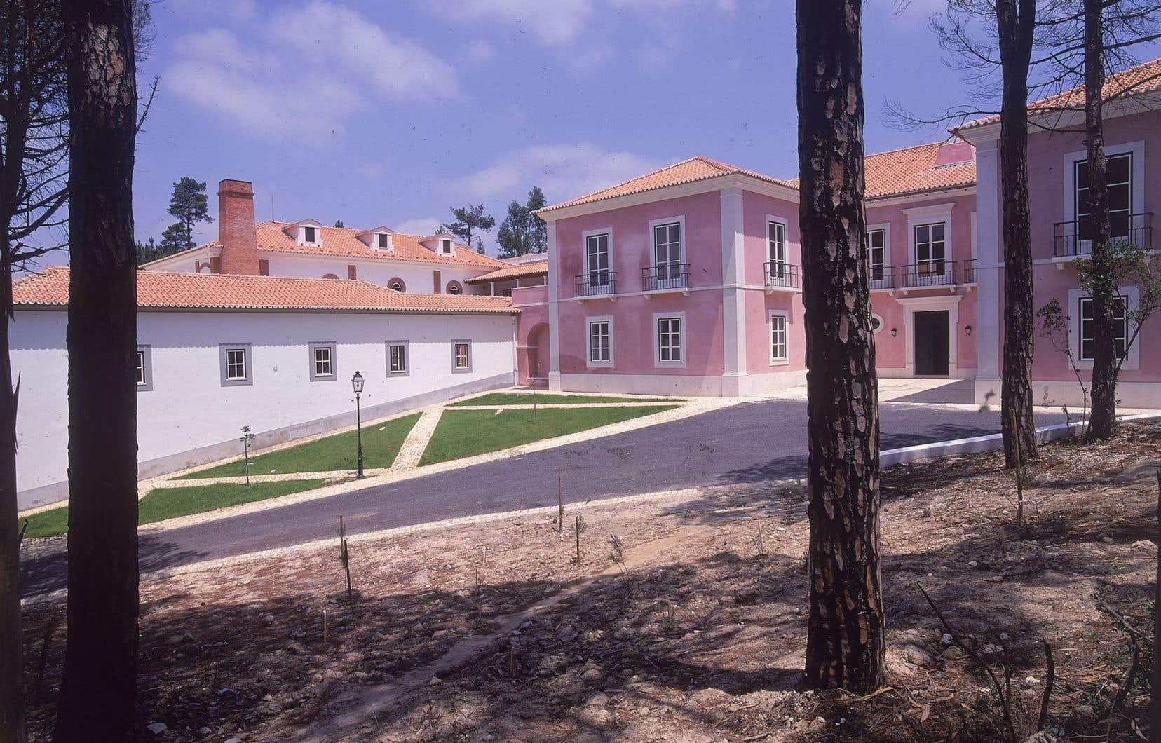 Les archives sont situées au centre de conservation Archive nationale des images en mouvement (ANIM), un lieu de villégiature dans la campagne portugaise, inauguré en 1996.