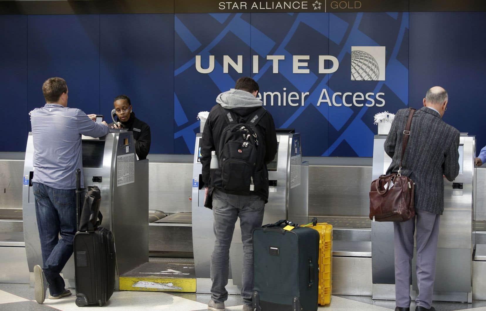 United Airlines s'est engagée à ne plus recourir à la police pour débarquer des passagers de ses avions.