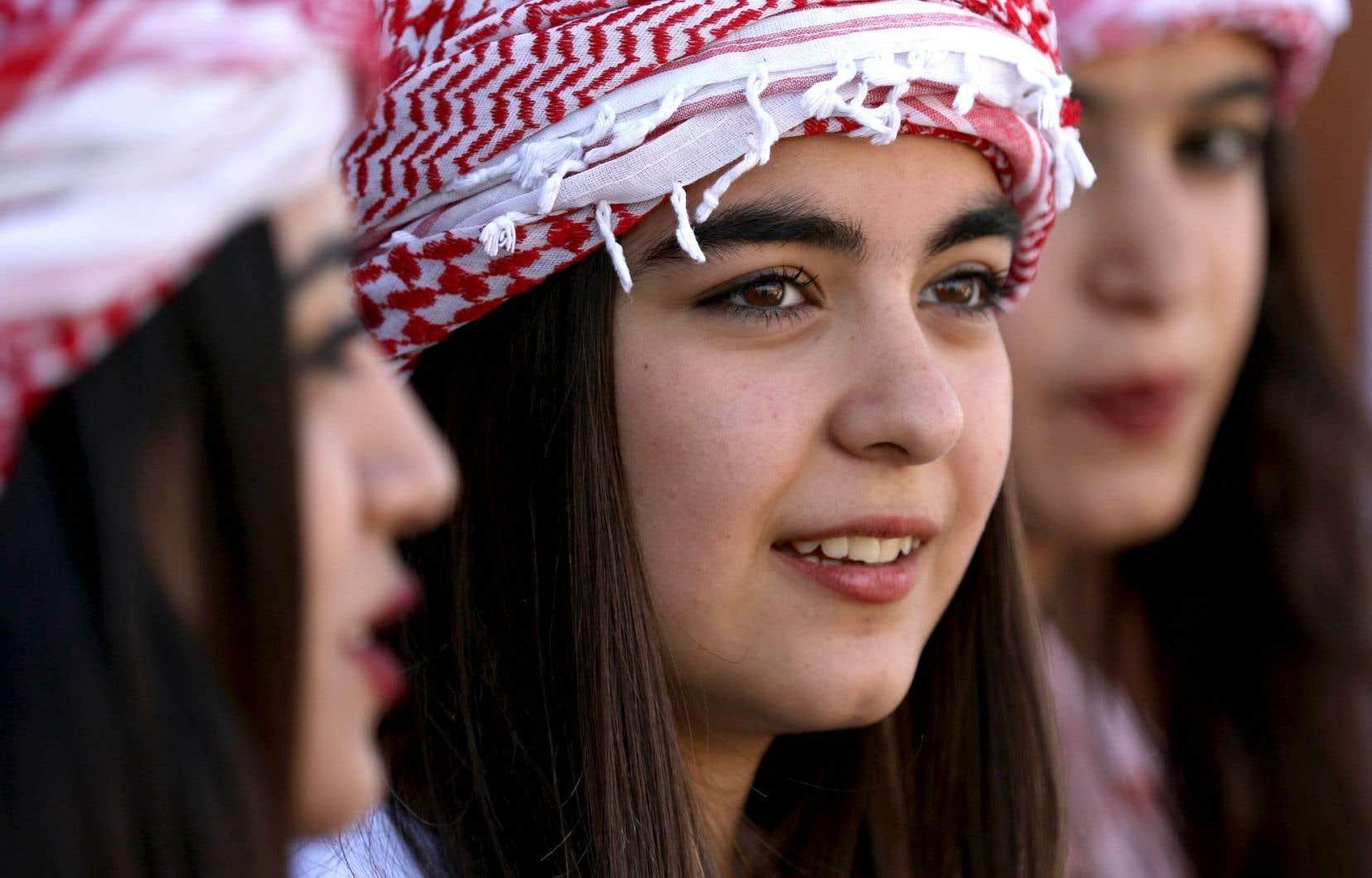 Les yézidis sont une minorité kurdophone qui a emprunté certains de ses éléments au christianisme et à l'islam.