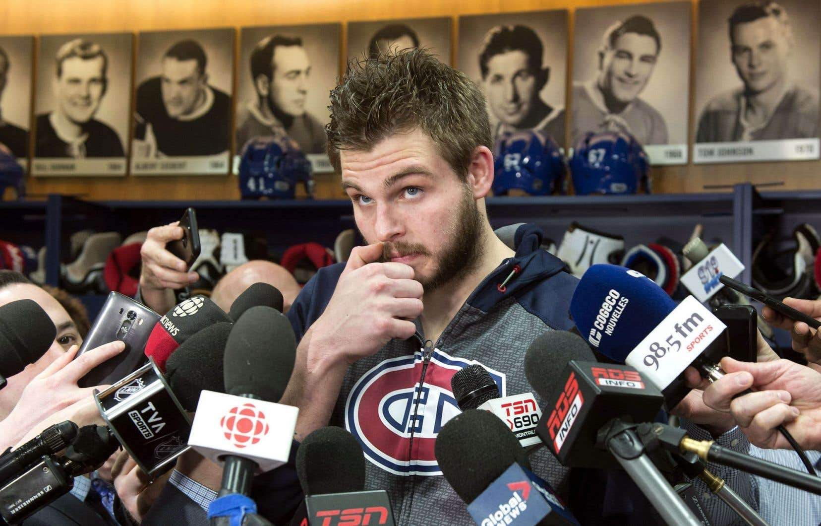 Alex Galchenyuk répond aux question de la presse, lundi.