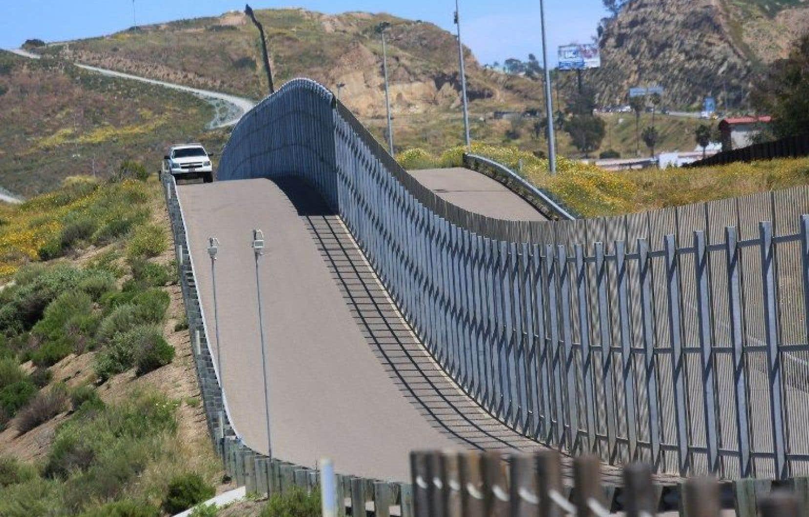 Donald Trump s'est engagé à construire un mur anti-clandestins à la frontière avec le Mexique.