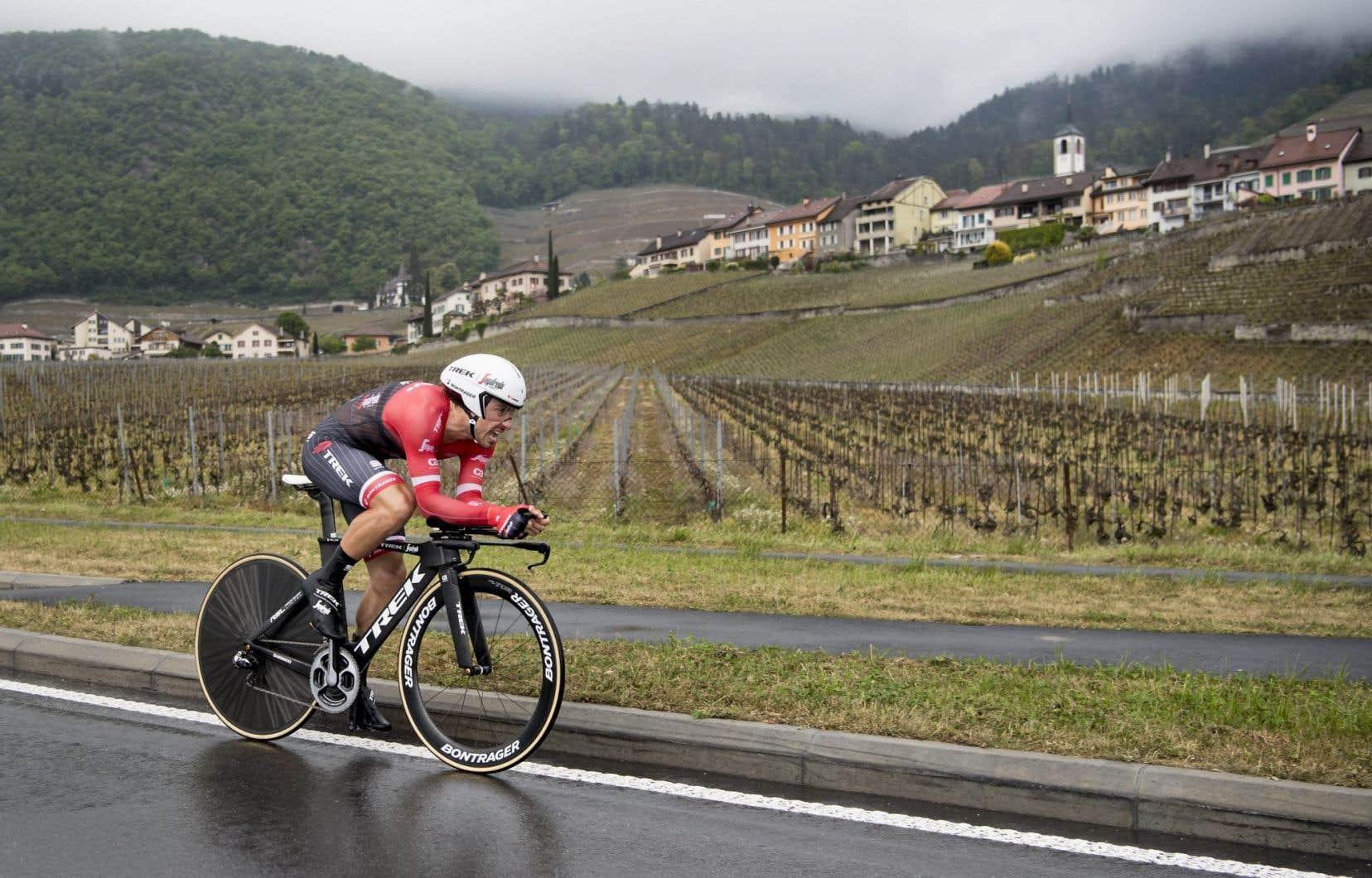 Le vainqueur Fabio Felline en action pendant le prologue, une course de 4,80 km contre la montre au 71e Tour de Romandie à Aigle, en Suisse.