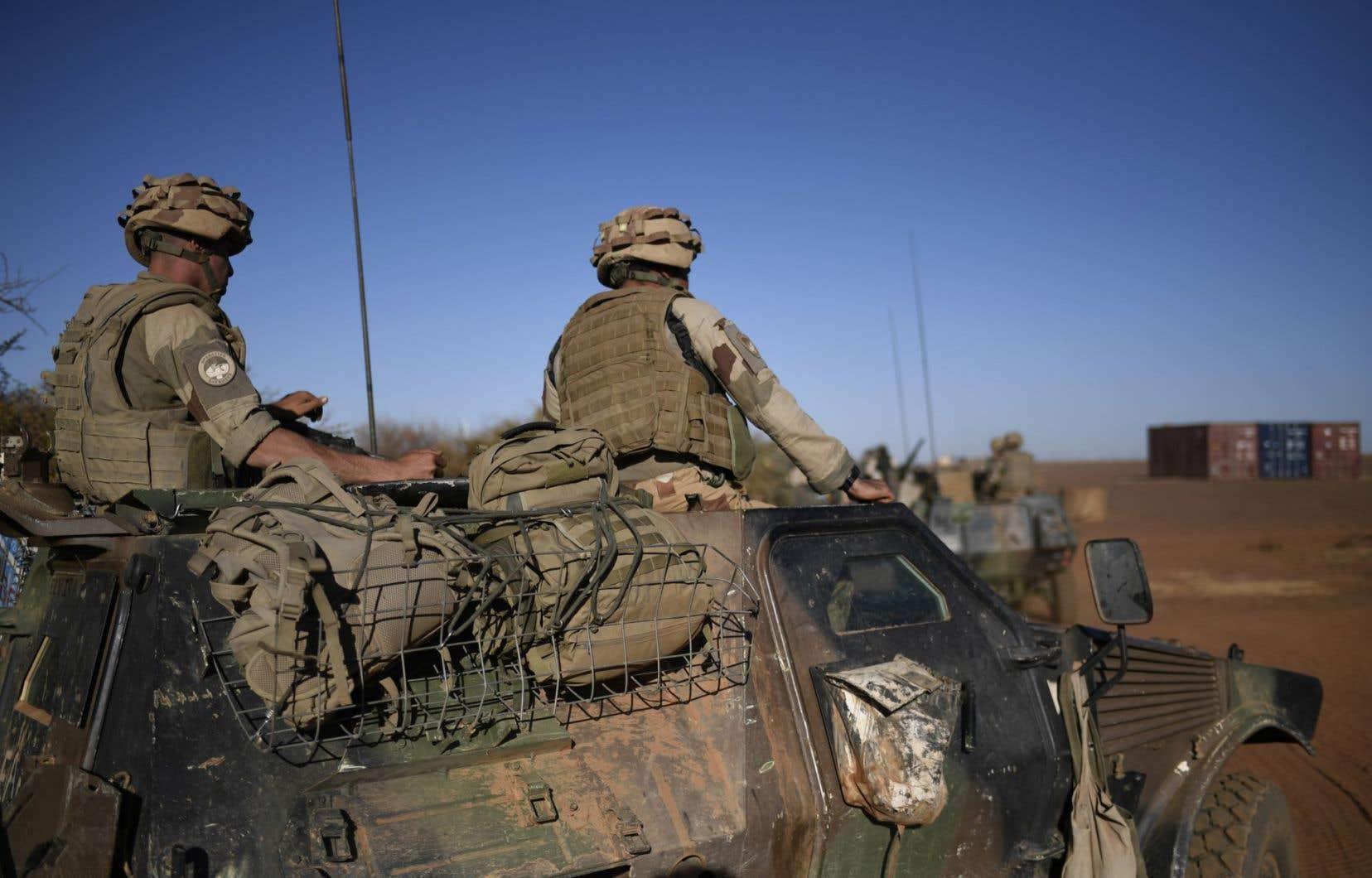 La force Barkhane mobilise 4000 soldats français sur cinq pays du Sahel (Mali, Niger, Burkina Faso, Tchad et Mauritanie).
