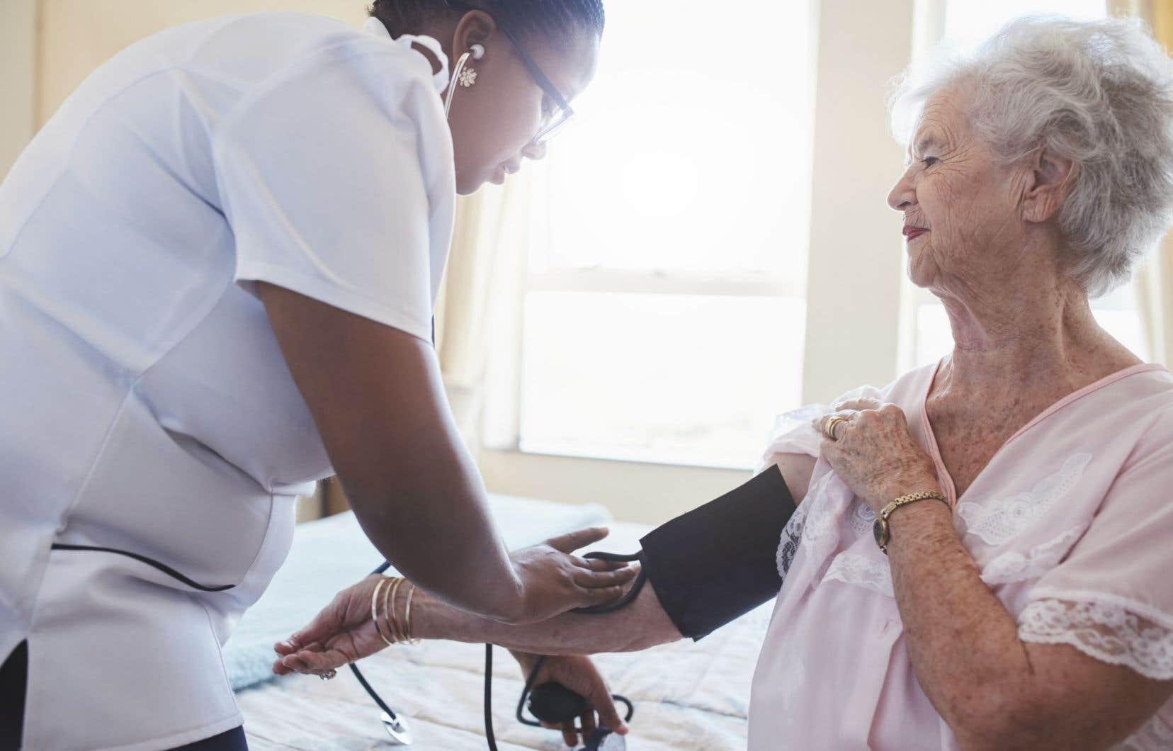 Les enjeux de santé reliés au vieillissement de la population, incluant la démence, vont croître.