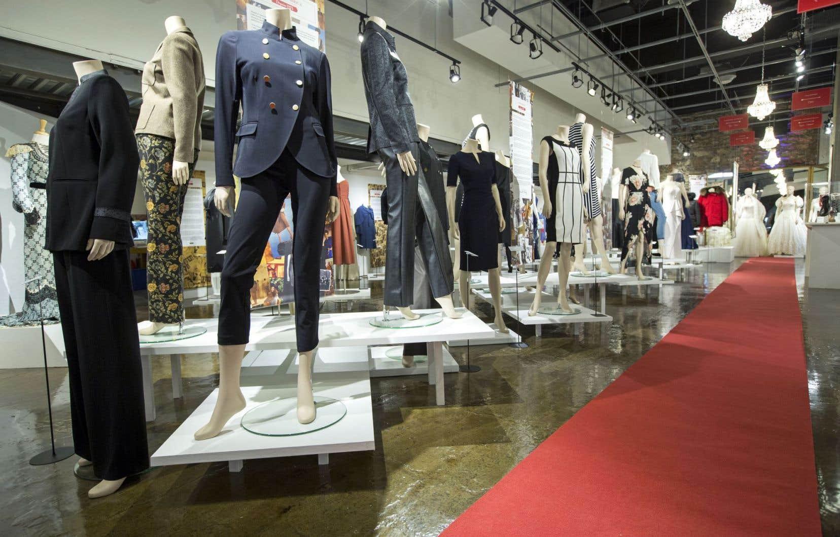 À l'occasion du 375e anniversaire de Montréal, le Musée de la mode présente un panorama de la mode à travers 33 compagnies de détaillants, fabricants, grossistes et distributeurs qui ont habillé Montréal depuis près de deux siècles.