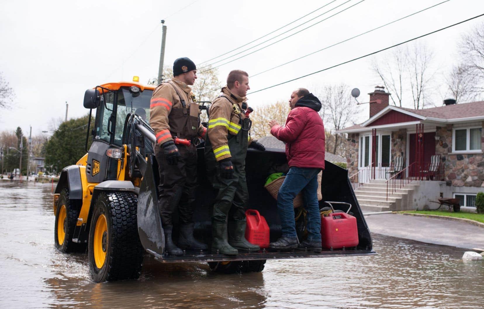 Plusieurs secteurs de l'île de Montréal ont été affectés par les inondations, dont Pierrefonds.