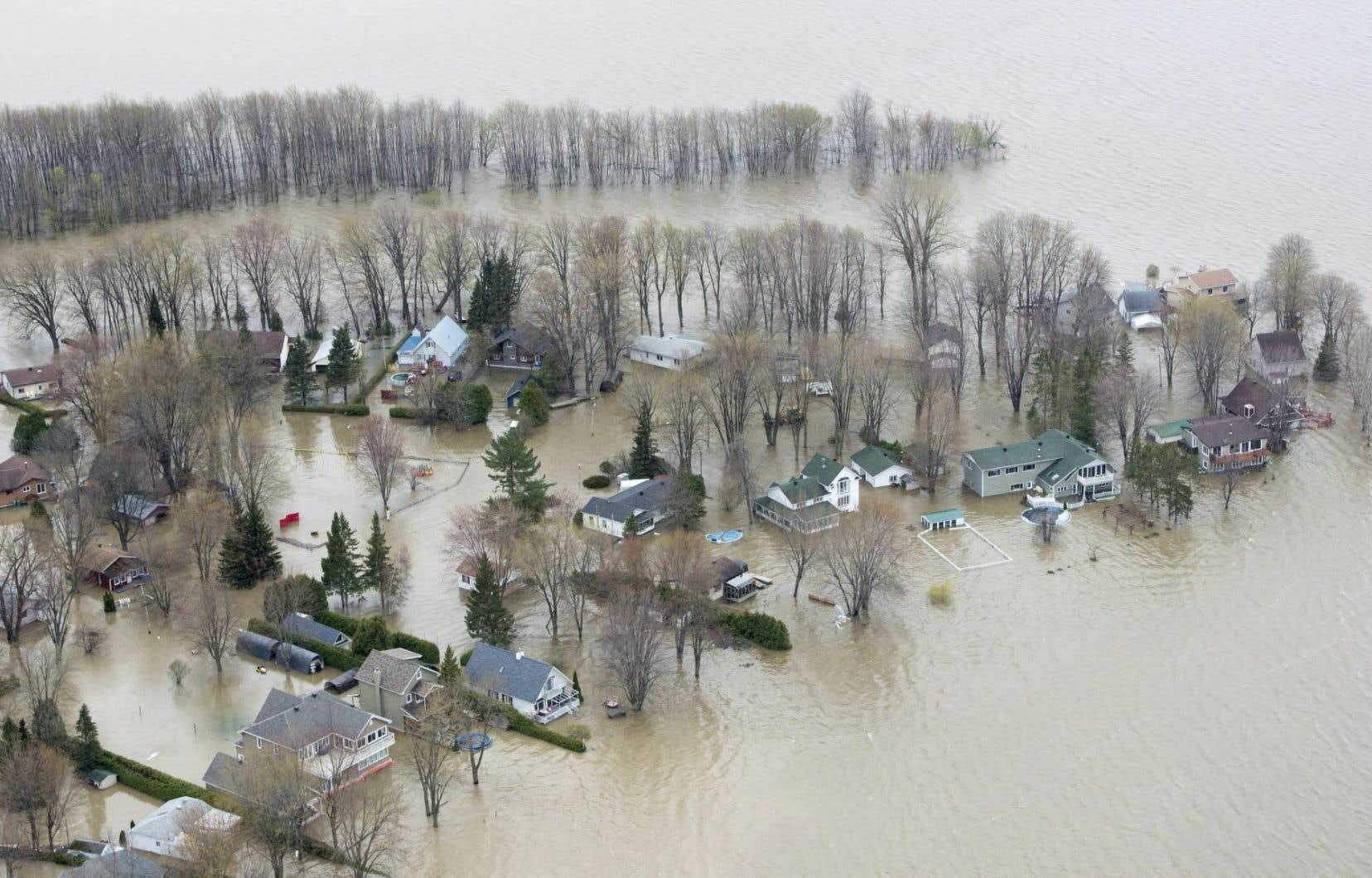 Le Parti québécois a invité le gouvernement à réfléchir sur l'augmentation de l'aide prévue pour les sinistrés.