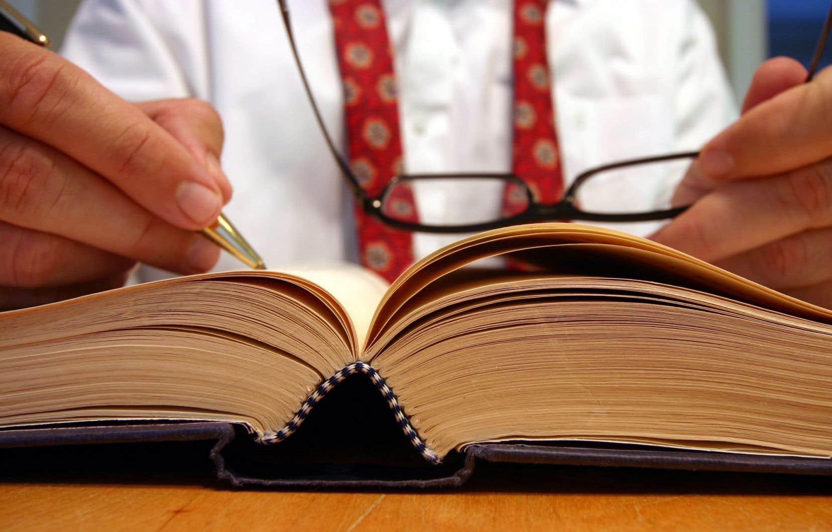 À l'heure actuelle, les étudiants peuvent seulement offrir de l'information juridique.