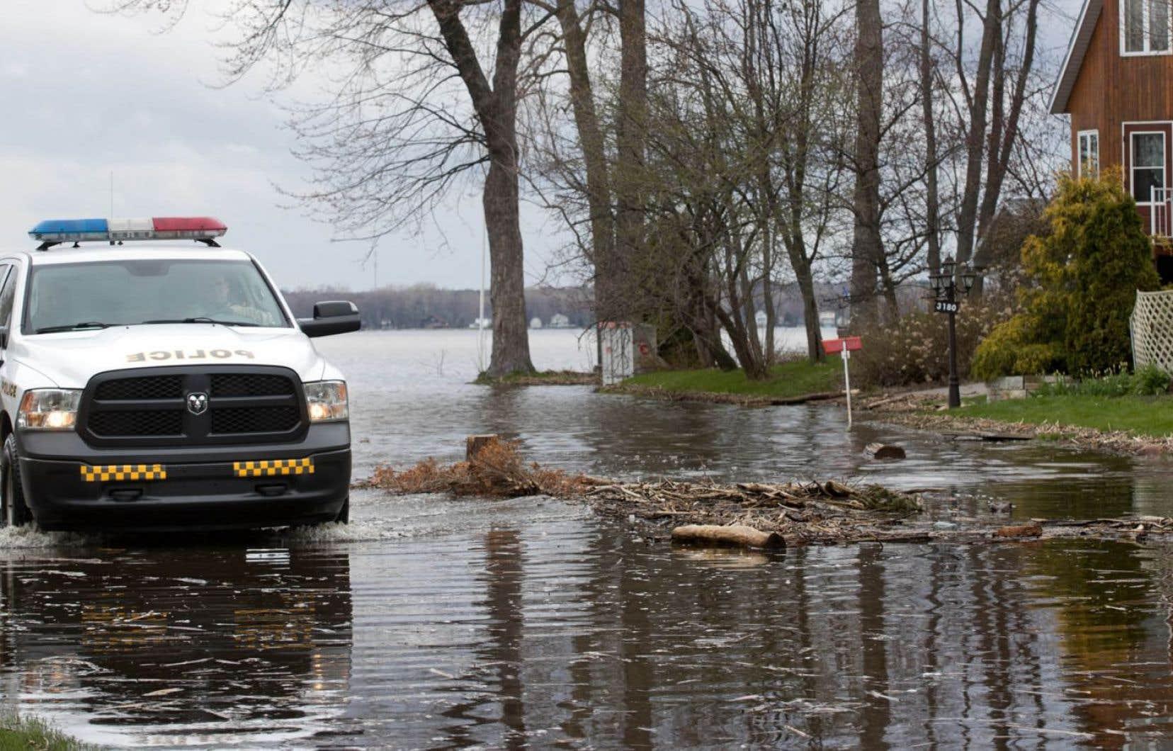 La plupart des municipalités qui avaient déclaré l'état d'urgence l'ont levé dimanche, selon Urgence Québec.