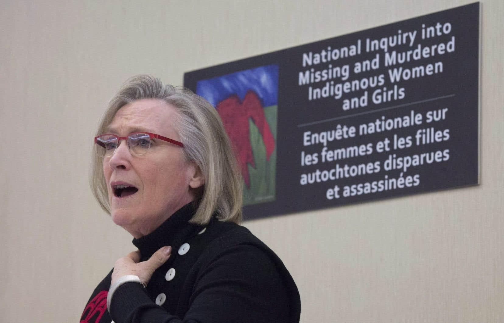 La ministre des Affaires autochtones, Carolyn Bennett