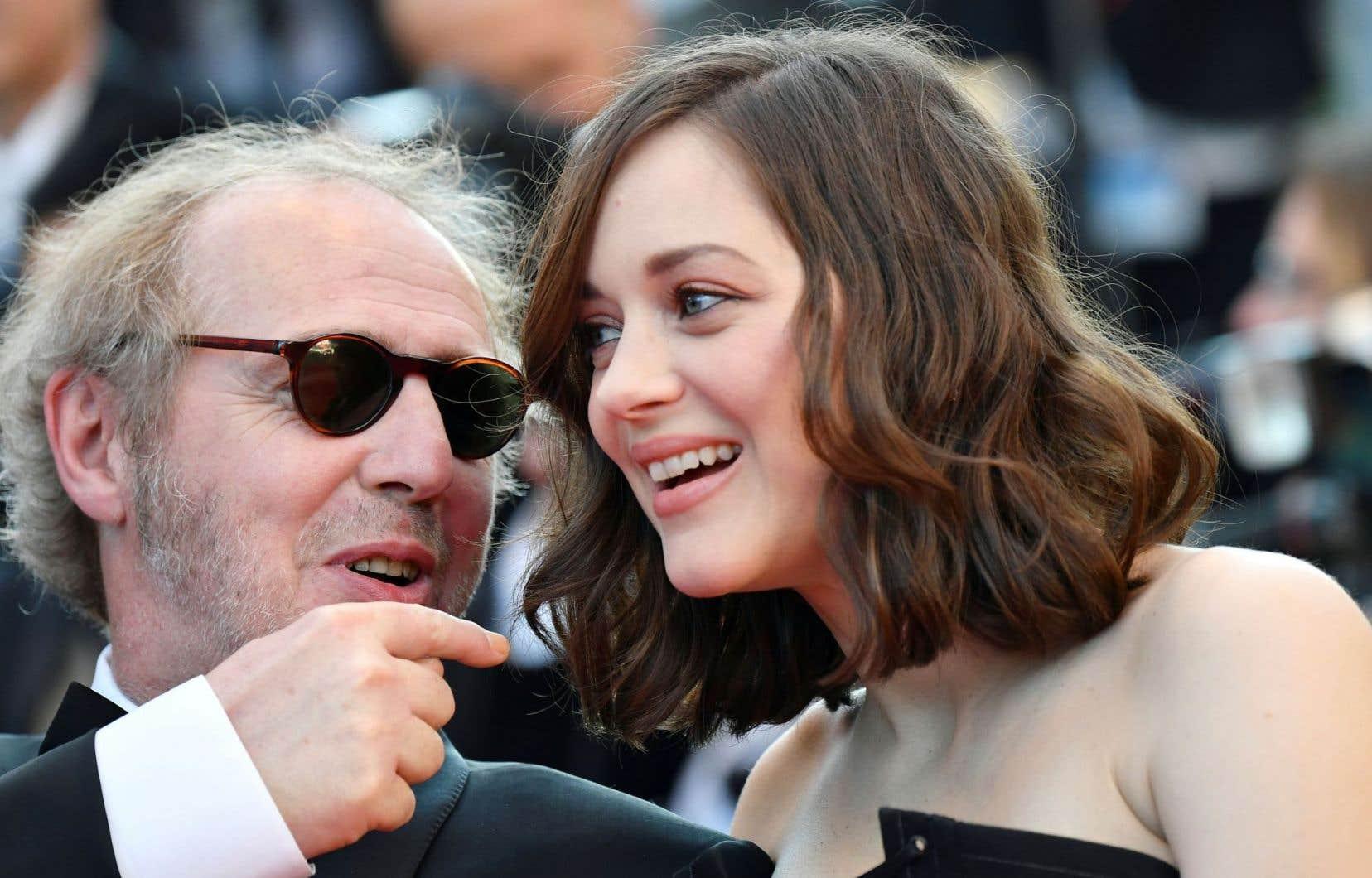 Le réalisateur Arnaud Desplechin dit de belles choses sur Marion Cotillard, lumineuse en fantôme autant qu'en vivante dans «Les fantômes d'Ismaël», qui vole en quelque sorte la vedette aux autres.