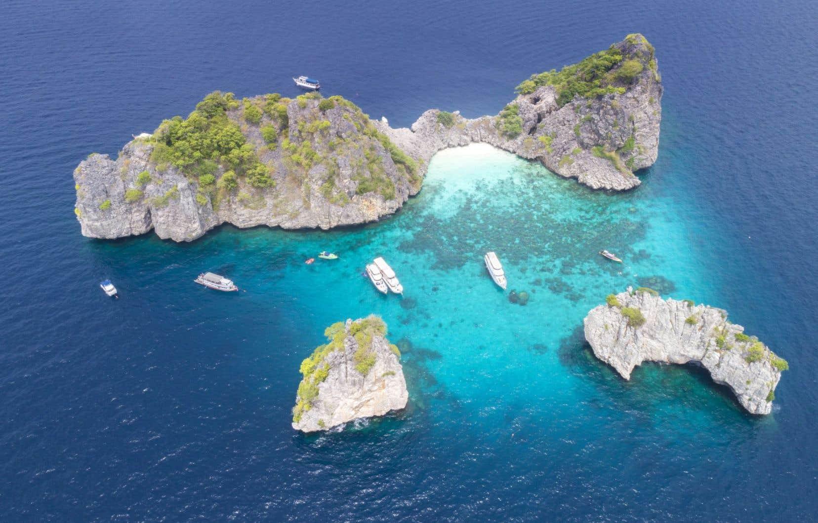 Quelque 61 parcs nationaux (dont 25 marins) sur un total de 154 sont fermés, notamment ceux d'îles touristiques comme Koh Lanta.