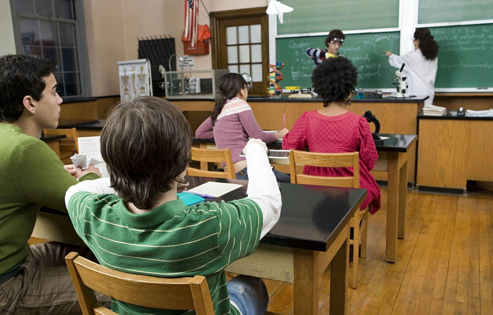 L'autonomie de l'école privée est aussi limitée que celle de l'école publique, écrit l'auteur.