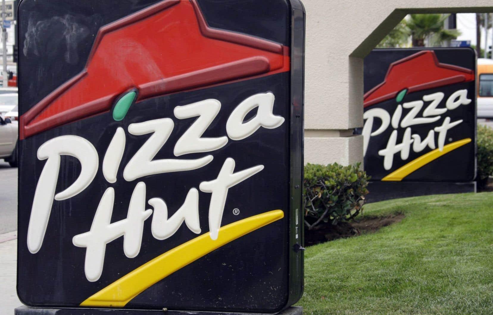 Pizza Hut se définit comme étant la plus grande entreprise de pizzerias au monde avec 16 000 restaurants dans plus de 100 pays différents.