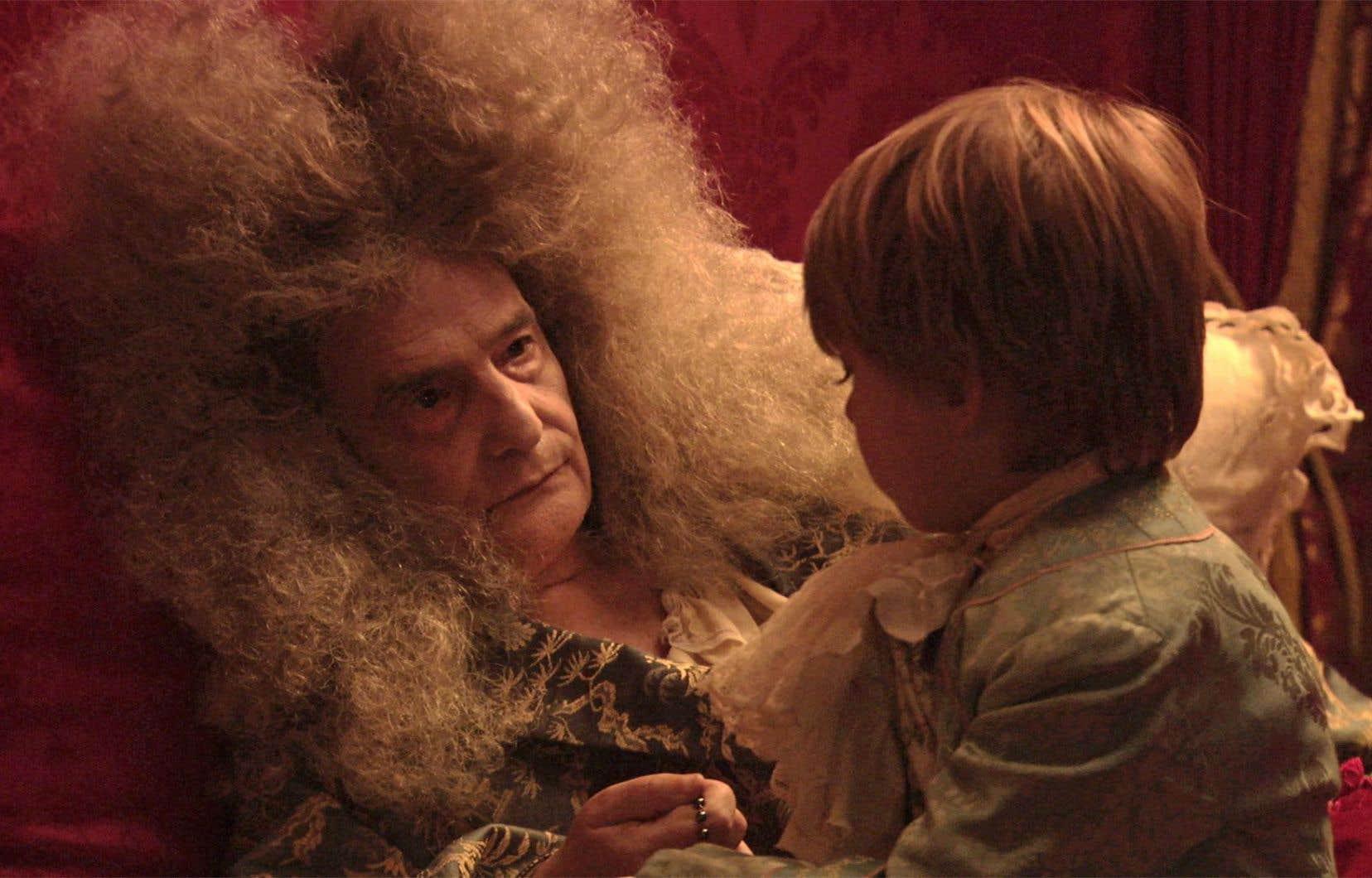 Dans «La mort de Louis XIV», le cinéaste Albert Serra laisse poindre un peu d'humour et de tendresse.