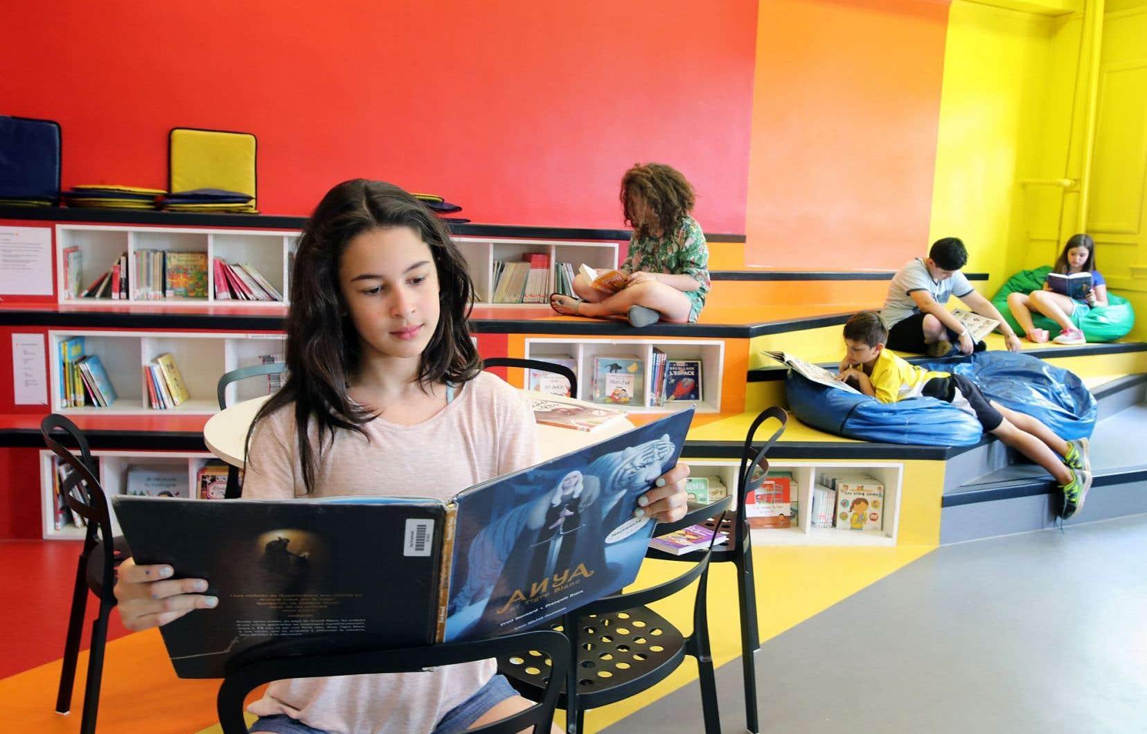 La bibliothèque «revue et améliorée» de l'école Guy-Drummond est née de la volonté de parents, de l'équipe de l'école et de la directrice, Sandra Stocco, grâce aux 50 000$ amassés par la fondation de l'école.