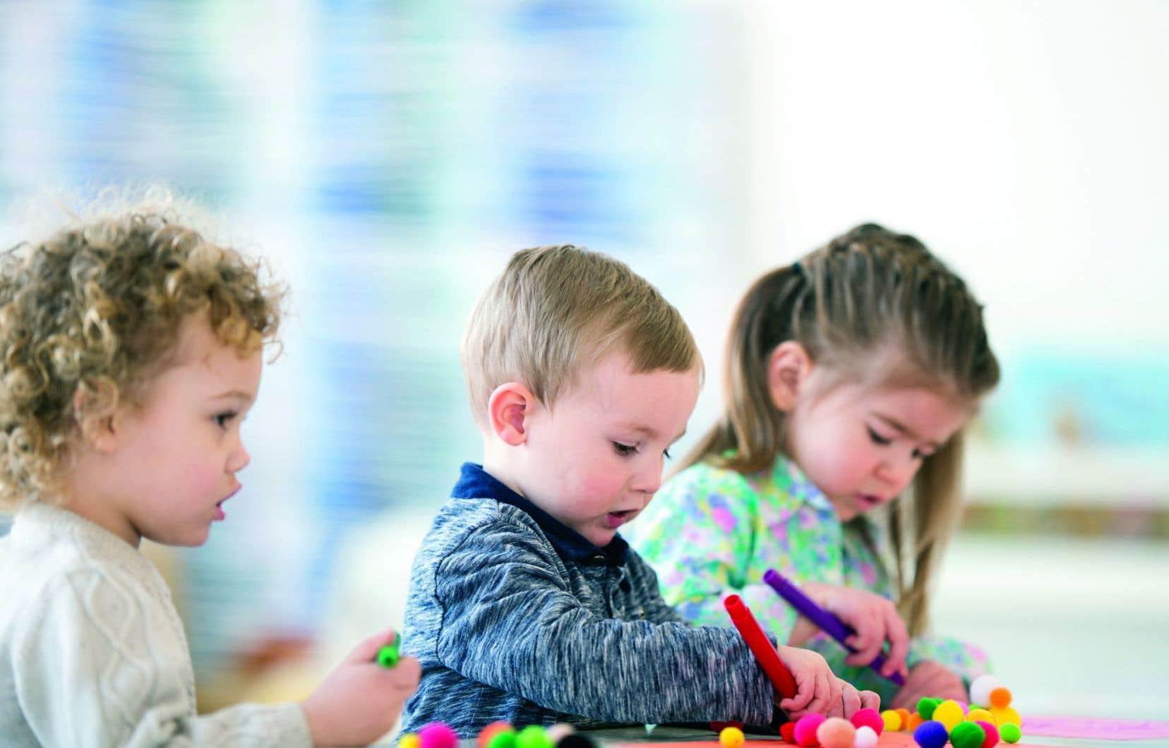 Le service de la maternelle quatre ans, comme déployé à l'heure actuelle, ne réduit pas «de façon significative l'effet des conditions sociodémographique des enfants sur leur préparation à l'école», selon le rapport de recherche de Christa Japel, professeure au Département d'éducation et de formation spécialisées de l'UQAM.