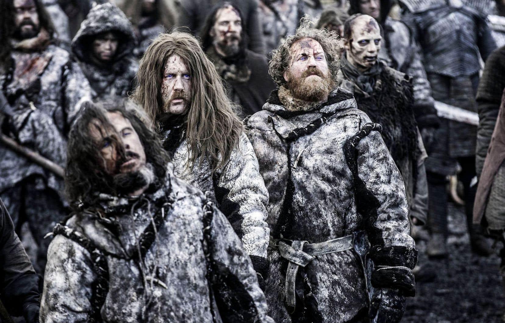 Parfois, le «spin-off» enrichit parallèlement une nouvelle série originale dont la diffusion se poursuit. HBO prépare ainsi non pas une, ni deux, mais bien cinq productions dérivées de son gros canon, «Game of Thrones».