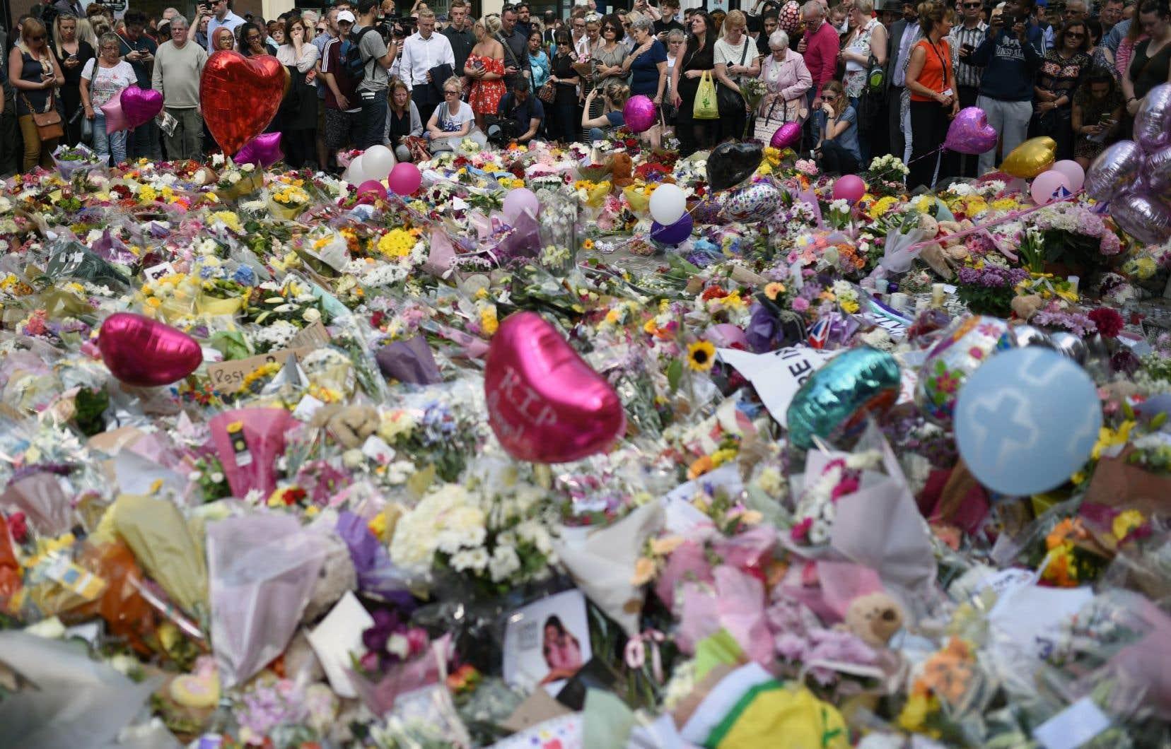 Loin d'être un effet du hasard, il y a un déterminisme terroriste dans le fait que, le plus souvent, les victimes des actes terroristes sont des gens ordinaires, souvent même des parents avec leurs enfants.