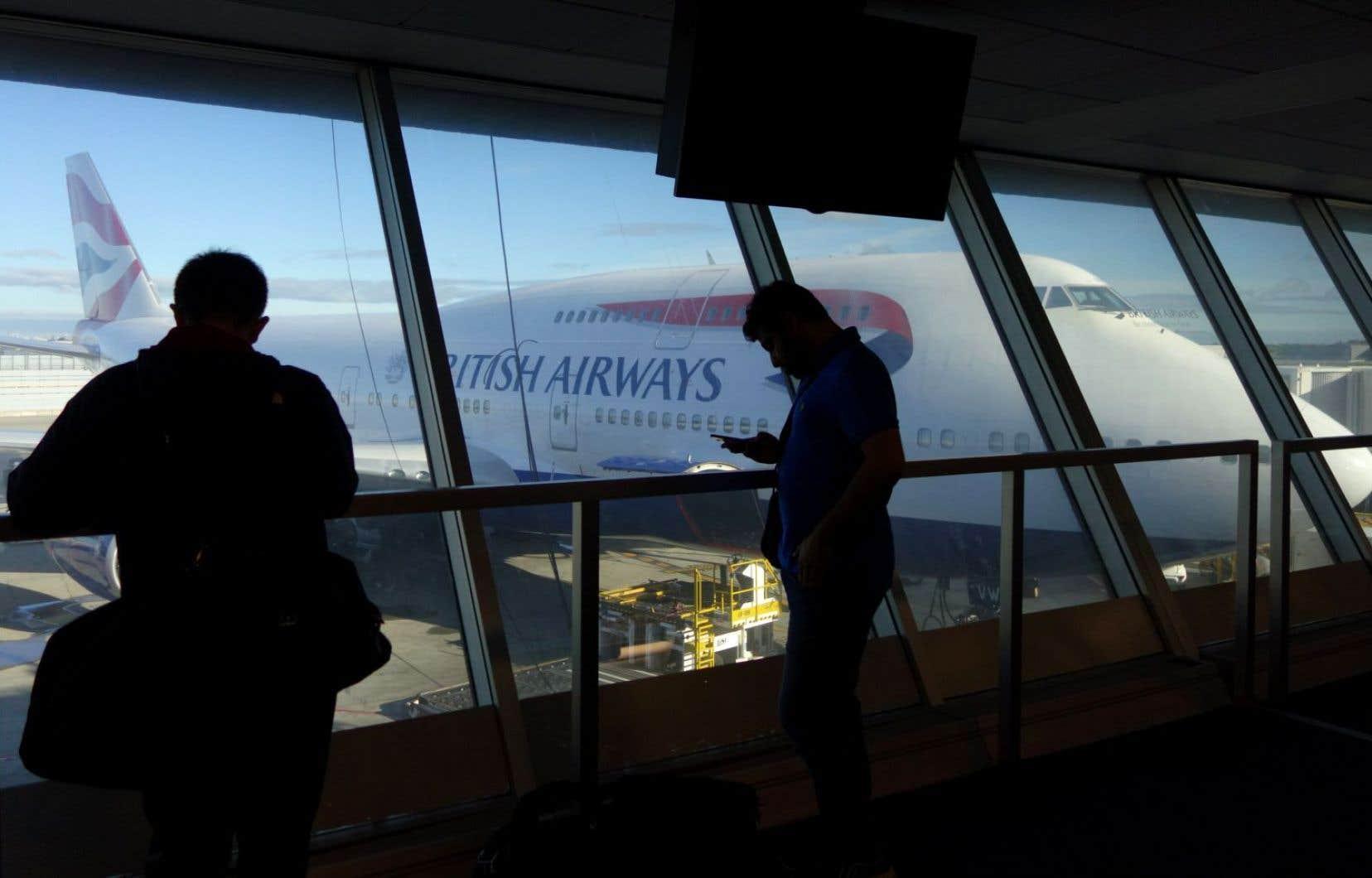 <p>Depuis samedi, des problèmes d'alimentation électrique ont causé une vaste panne dans les systèmes informatiques de la compagnie, provoquant des annulations et retards en série sur ses vols.</p>