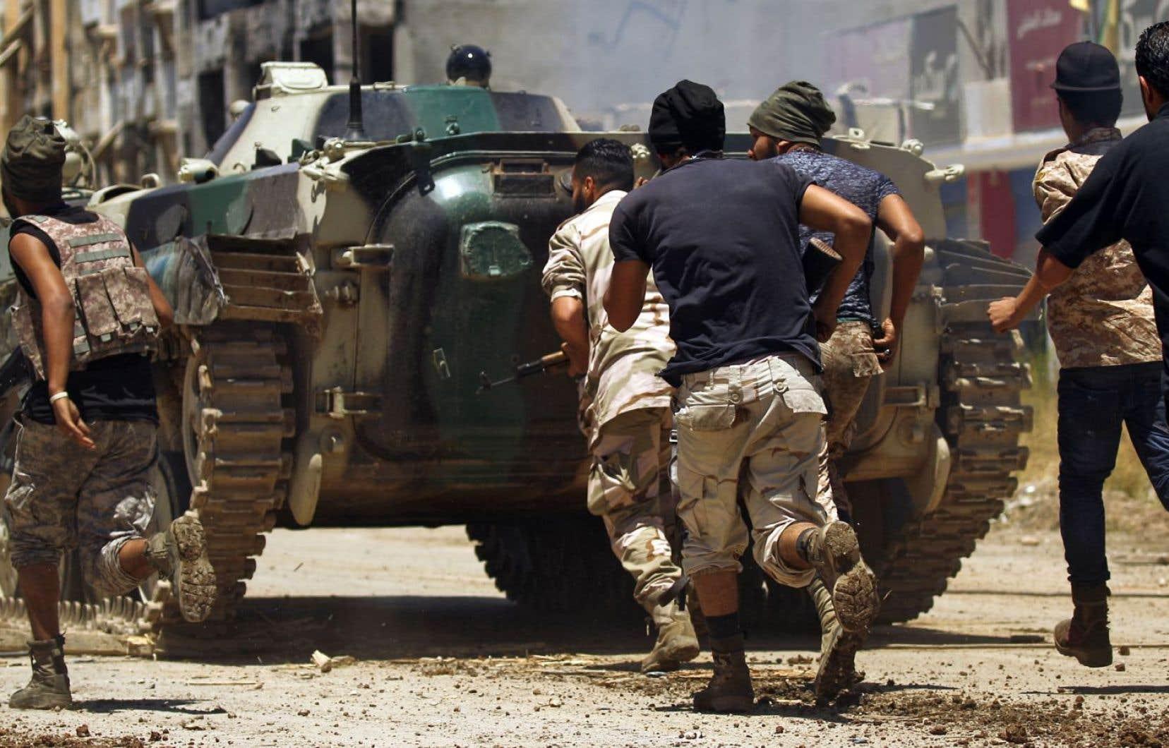 Des membres de l'armée nationale libyenne