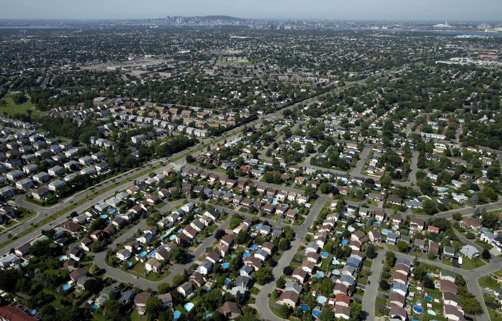 Conscient des effets néfastes de l'étalement urbain, le gouvernement du Québec a agi au fil des années.