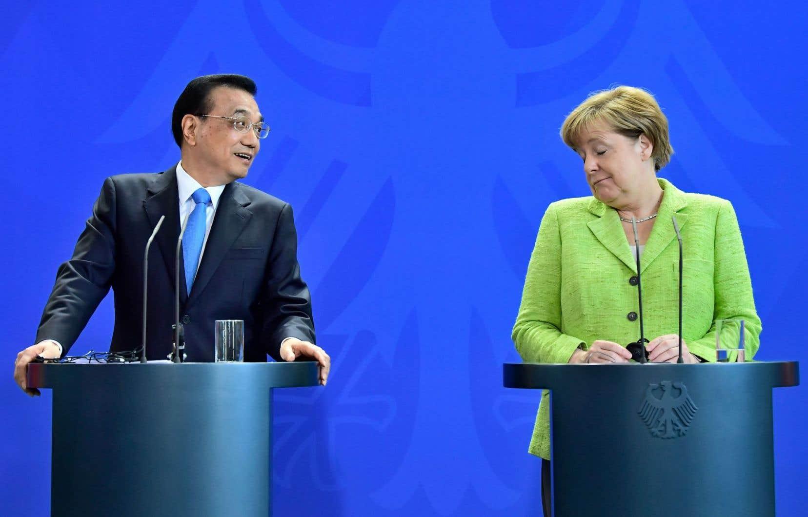 «La Chine va continuer à mettre en œuvre les promesses faites lors de l'accord de Paris», a promis le chef du gouvernement chinois Li Keqiang à Berlin, après une rencontre avec la chancelière allemande Angela Merkel.