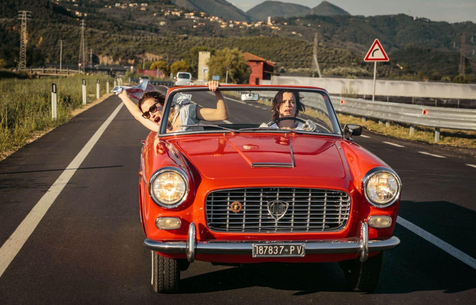Valeria Bruni Tedeschi et Micaela Ramazzotti n'ont que faire des bonnes manières dans cette comédie délirante de Paolo Virzi.