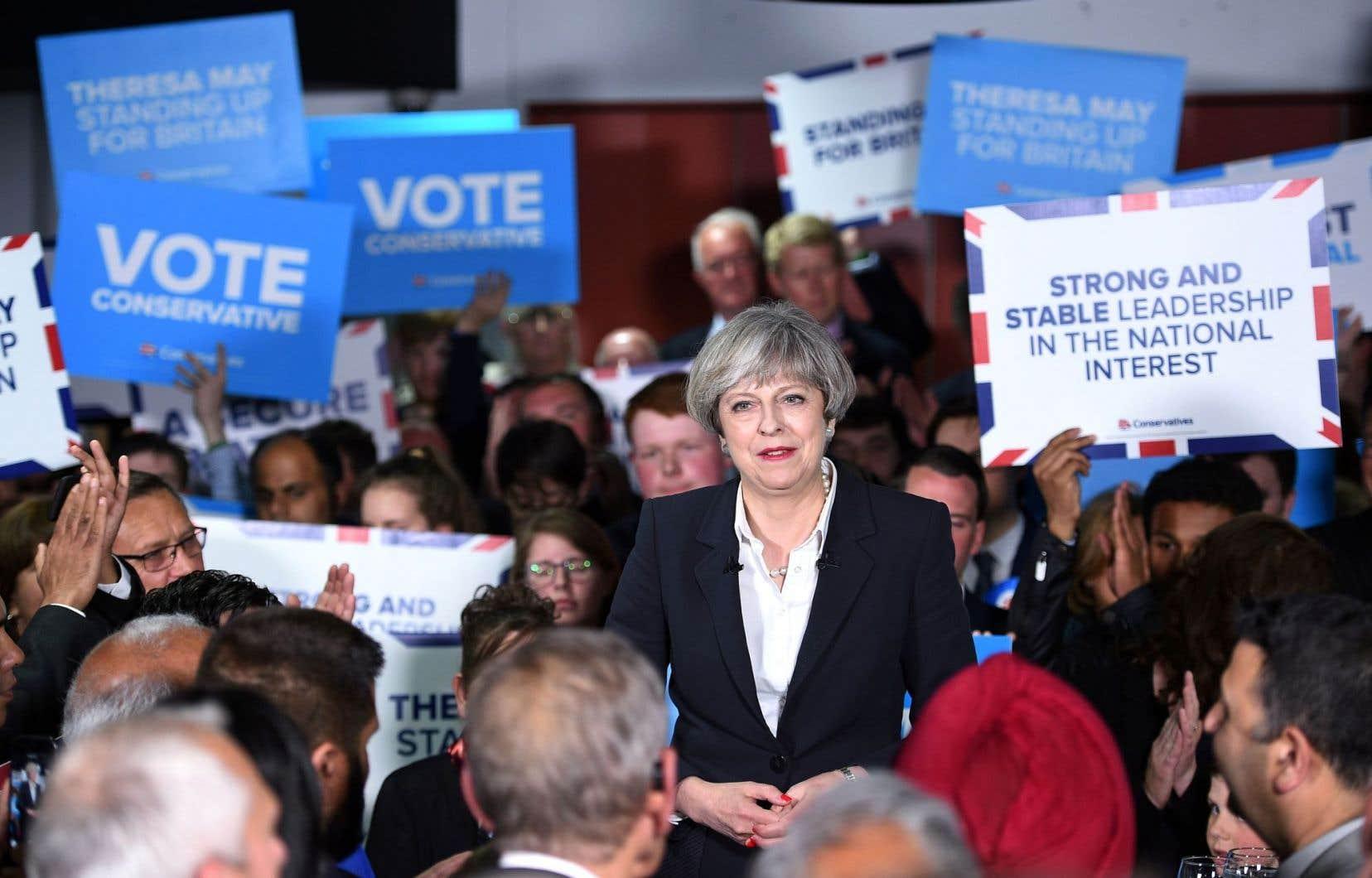 La première ministre sortante, Theresa May, a vu sa popularité fléchir dans les sondages.