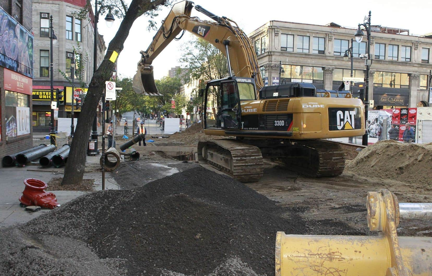 Ce n'est que récemment que les gouvernements dits «supérieurs» ont daigné s'intéresser au problème de la dégradation des infrastructures urbaines, estiment les auteurs.
