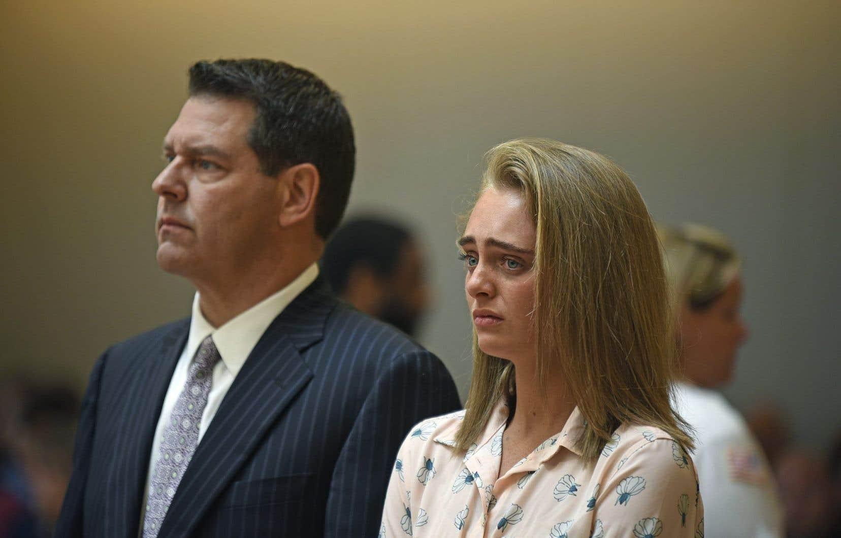 L'accusée, Michelle Carter,pleurait en silence vendredi dans la salle d'audience.