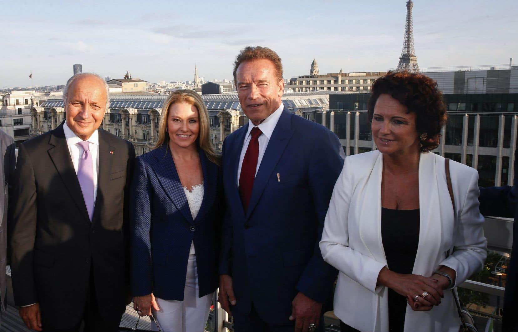 Plusieurs personnalités sont présentes, dont l'acteur américain et fondateur du groupe d'action climatique R20, Arnold Schwarzenegger.
