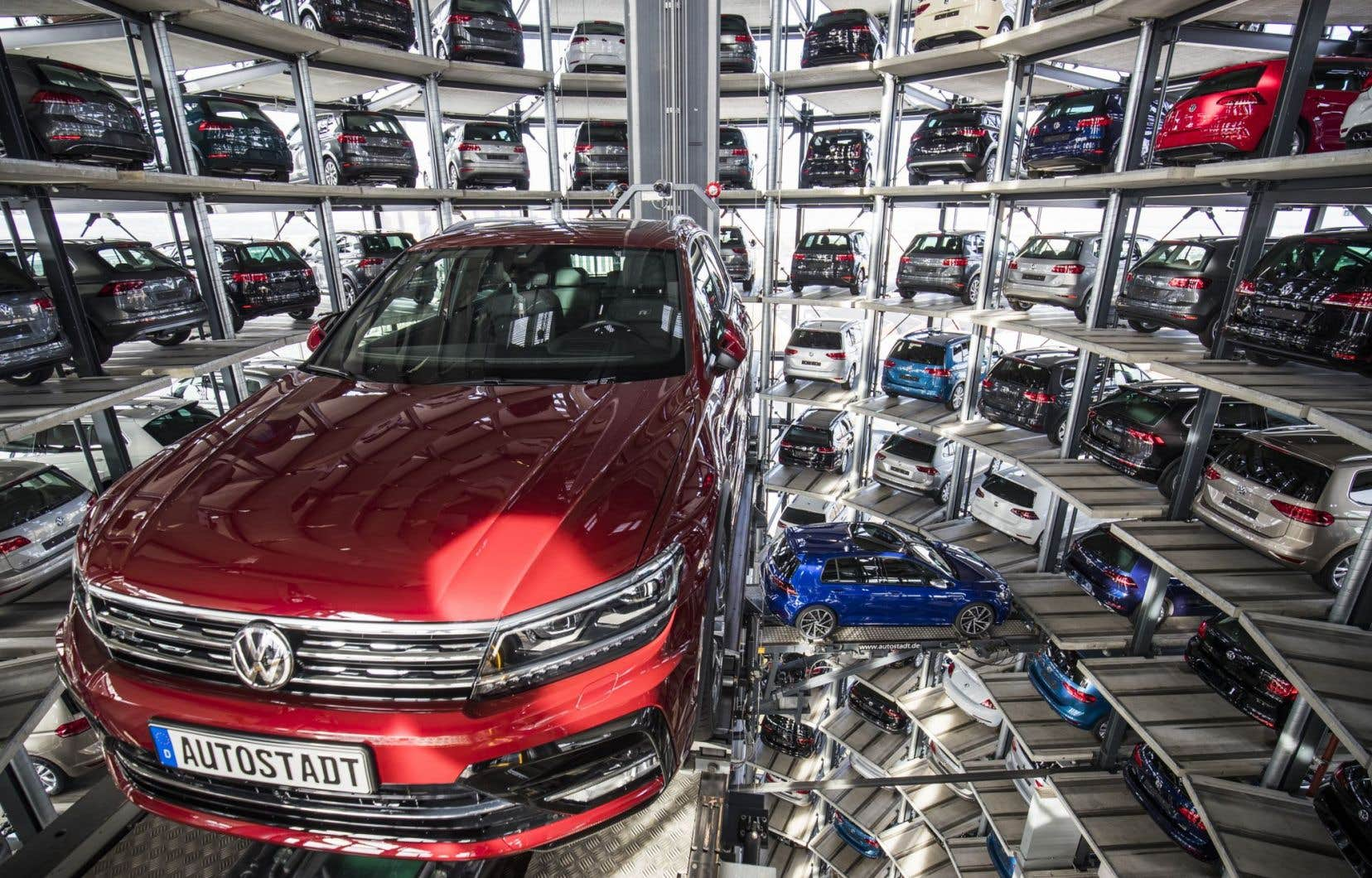 Les voitures VW seront proposées à la vente à partir du mois d'août, par huit concessionnaires essentiellement concentrés dans ou autour de la capitale Téhéran.