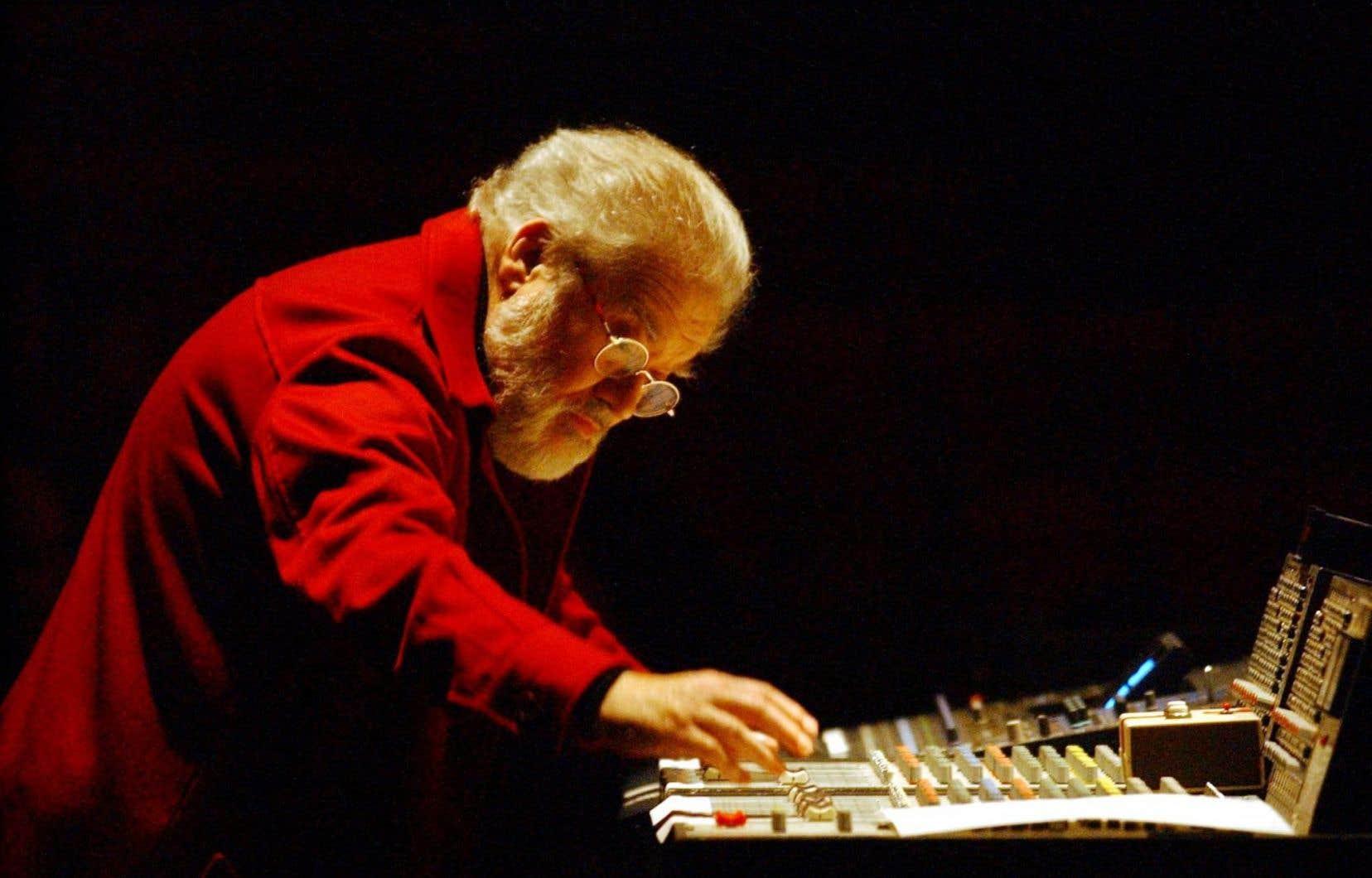 Le nom de Pierre Henry reste attaché à la <em>«musique concrète»</em> (bruits ou sons enregistrés) fondée par Pierre Schaeffer.