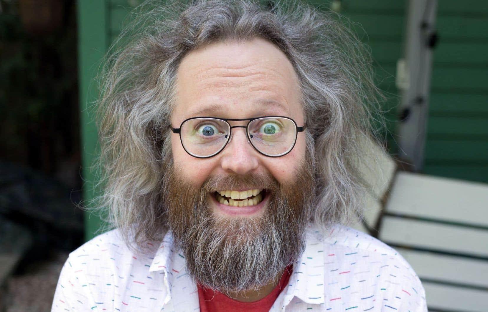 Est-ce qu'il y avait autant de rodage dans les années 1990? Non. Est-ce que les shows étaient aussi drôles? Non plus», souligne l'humoriste québécois François Bellefeuille.