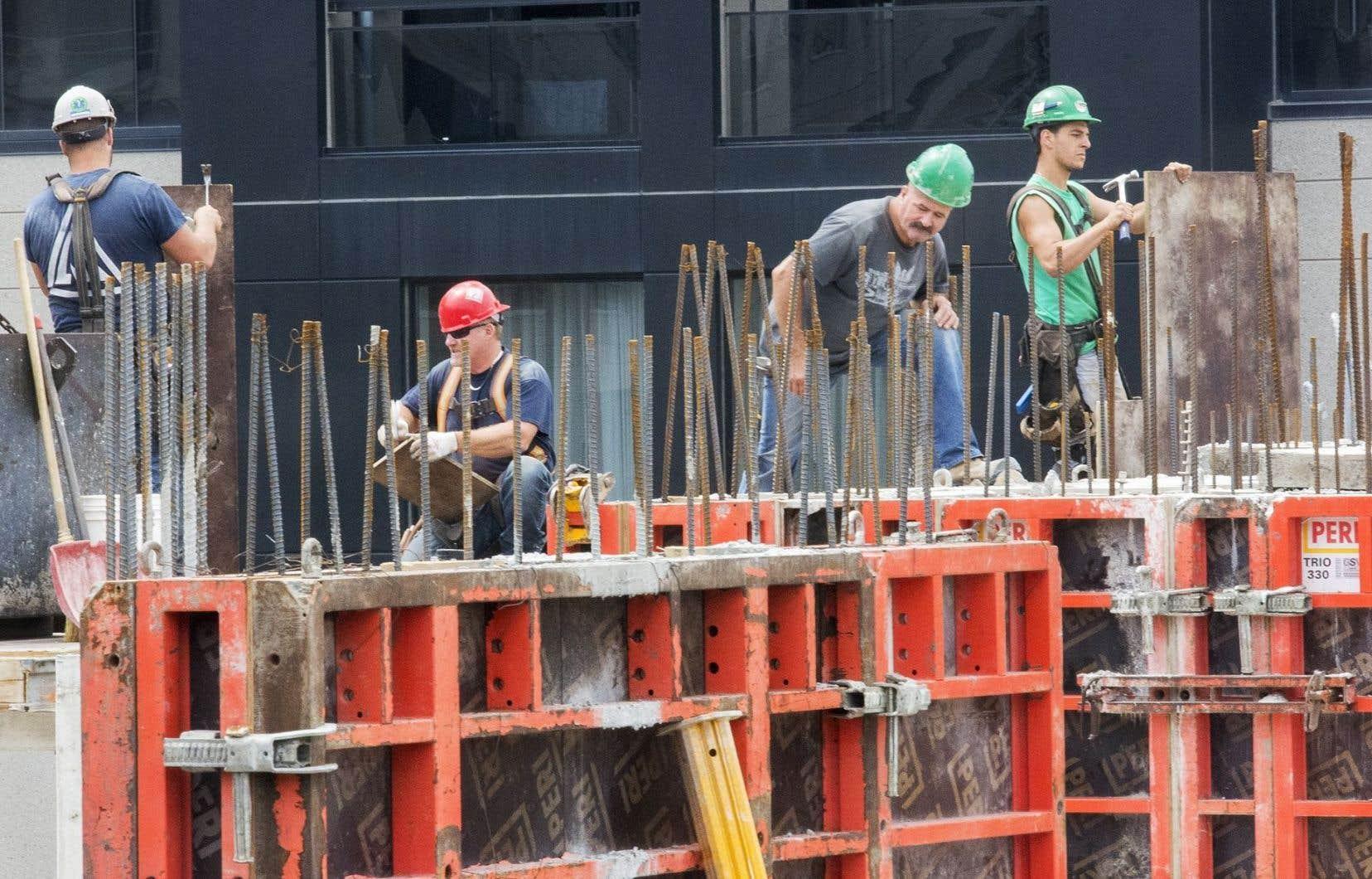 Dans l'ensemble, les mises en chantier des centres urbains ont progressé de 9,6% à 194773 unités.