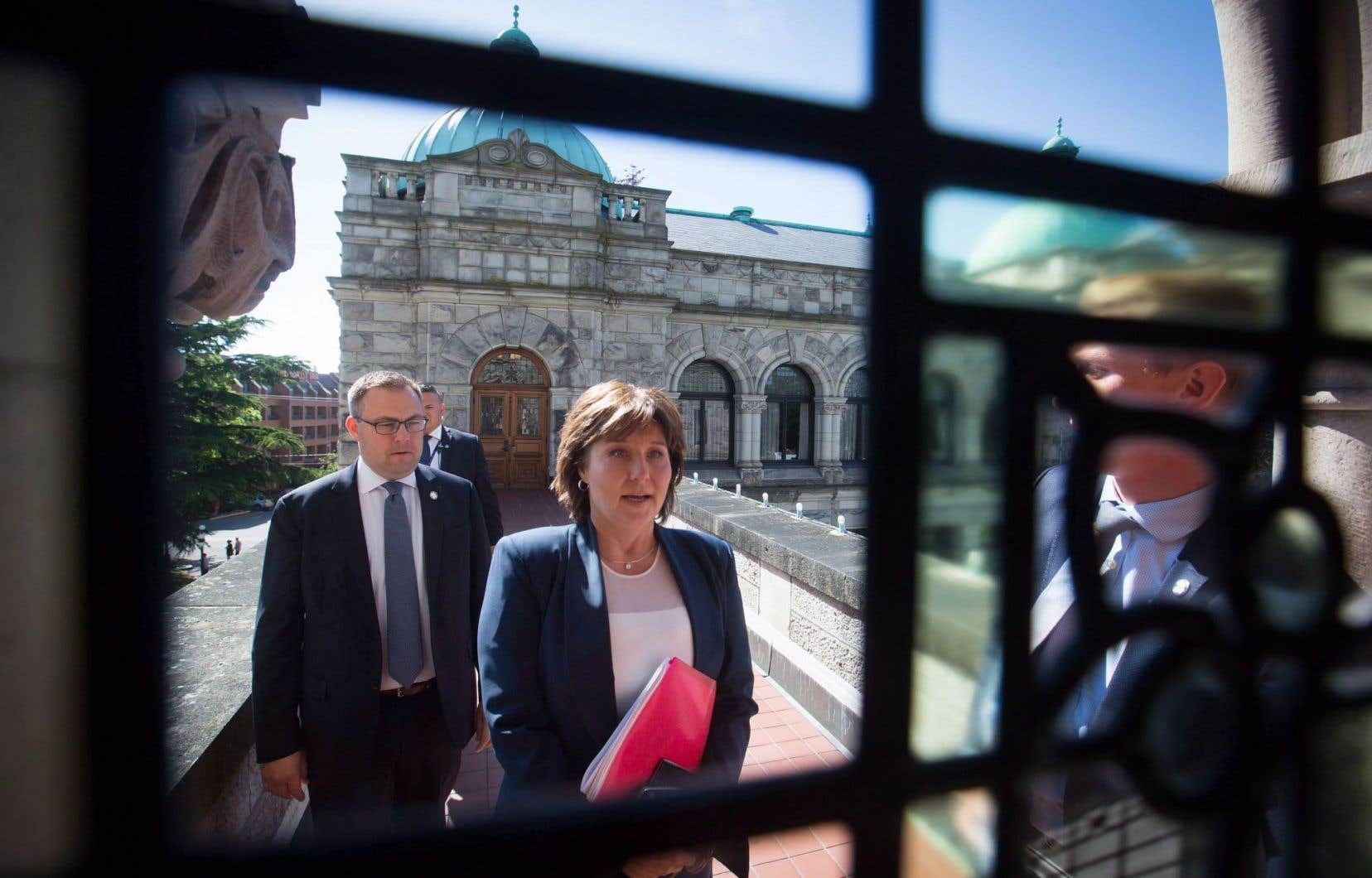 Fait exceptionnel, la première ministre Christy Clark s'est vu refuser la tenue de nouvelles élections par la lieutenante-gouverneure de la Colombie-Britannique, Judith Guichon.