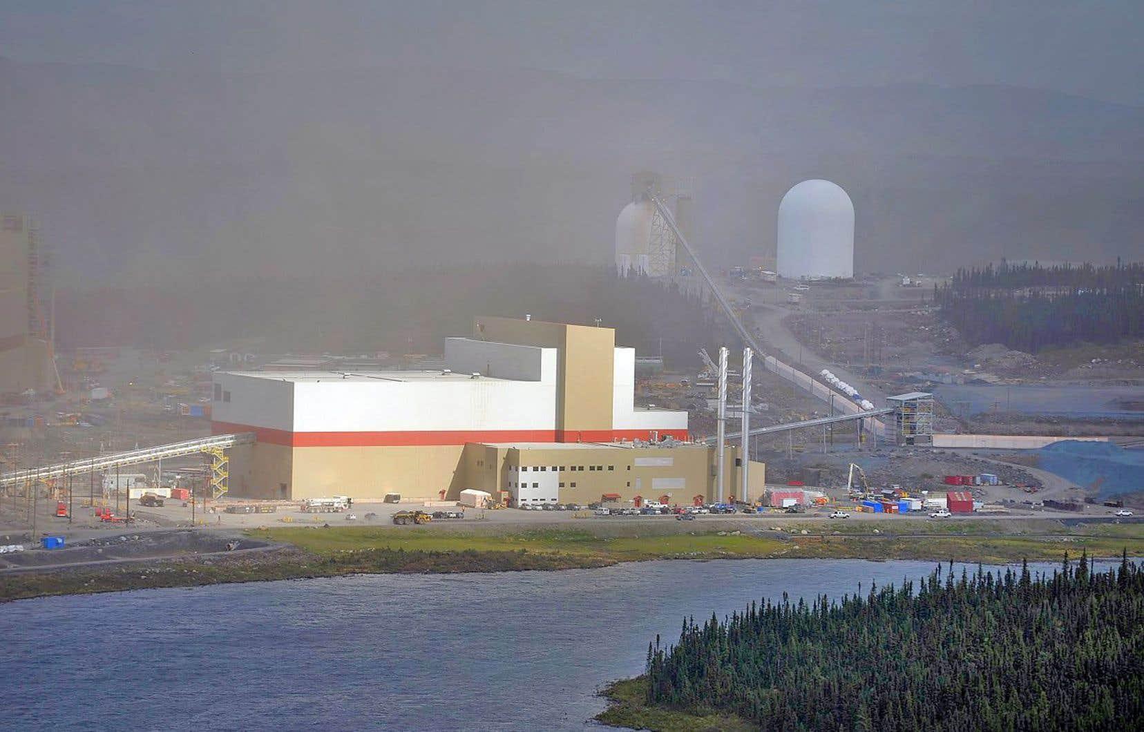 La mine du lac Bloom a cessé ses activités en 2014. Plus de 500 personnes s'étaient alors retrouvées sans emploi.