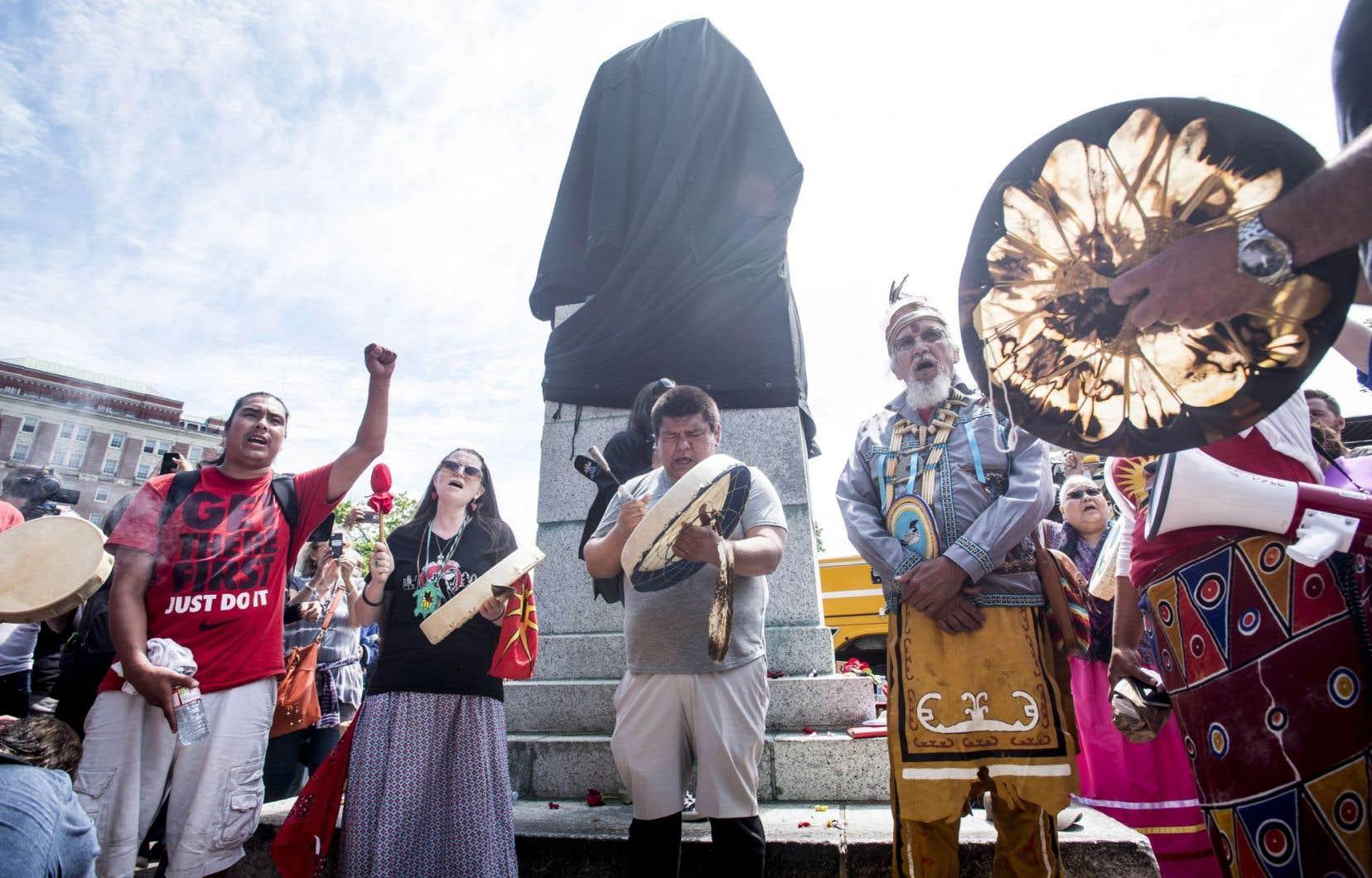 L'appel au retrait de sa statue avait ravivé le débat quant à la manière que la ville de Halifax commémore son histoire coloniale et que les Mi'kmaq revisitent leur passé.