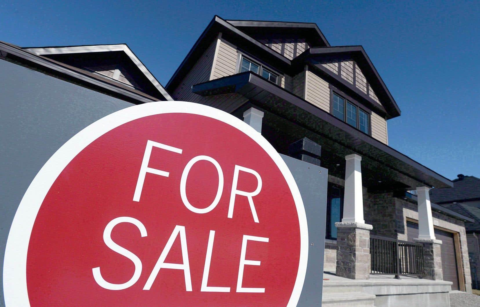 Le prix de vente moyen d'une maison à travers le Canada s'élève à 504458$, soit 0,4% de hausse par rapport à l'année précédente.