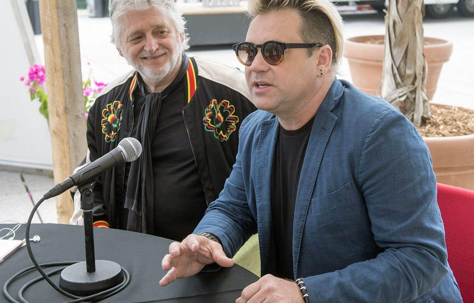 Aux côtés de Gilbert Rozon, Scott Maidment, président fondateur et directeur artistique de Strut & Fret, s'est dit fier de cette association avec le groupe Juste pour rire, mardi à Montréal.