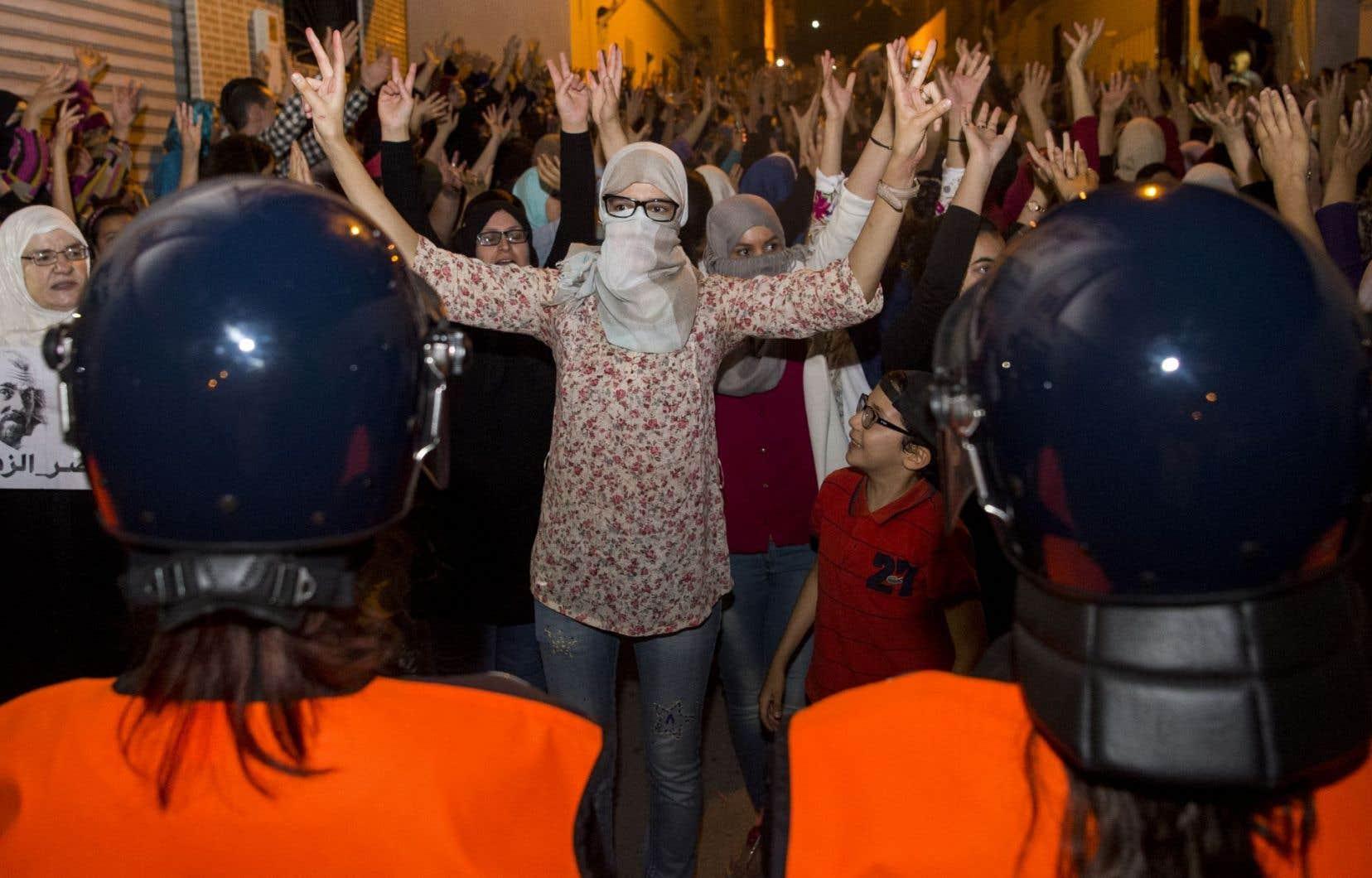 En mai et juin, les heurts s'étaient multipliés avec les policiers qui empêchaient tout rassemblement à Al Hoceima.