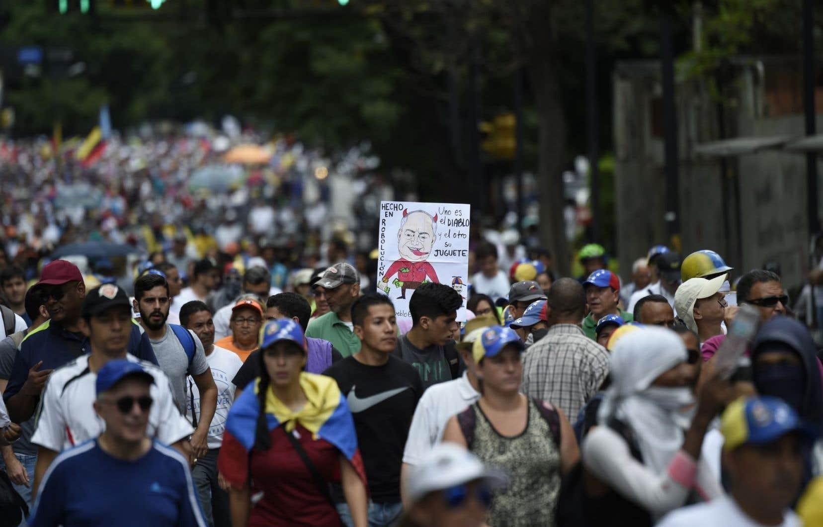 Les appels lancés au président vénézuélien à rétablir l'État de droit dans son pays se multiplient au sein de la communauté internationale.