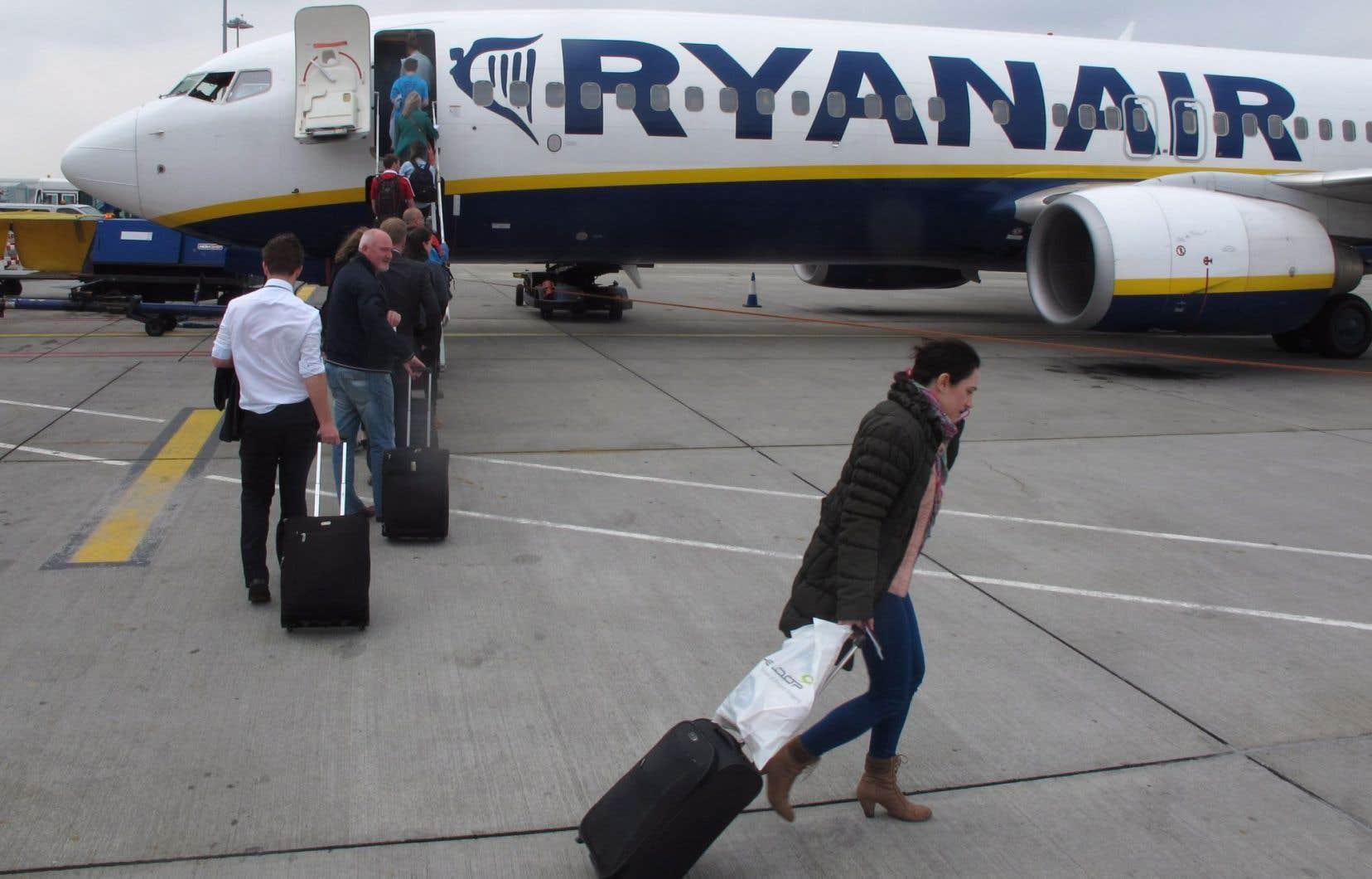 La compagnie Ryanair n'est pas seule sur les rangs, puisque de grands noms du transport aérien semblent aussi intéressés par la reprise d'Alitalia.