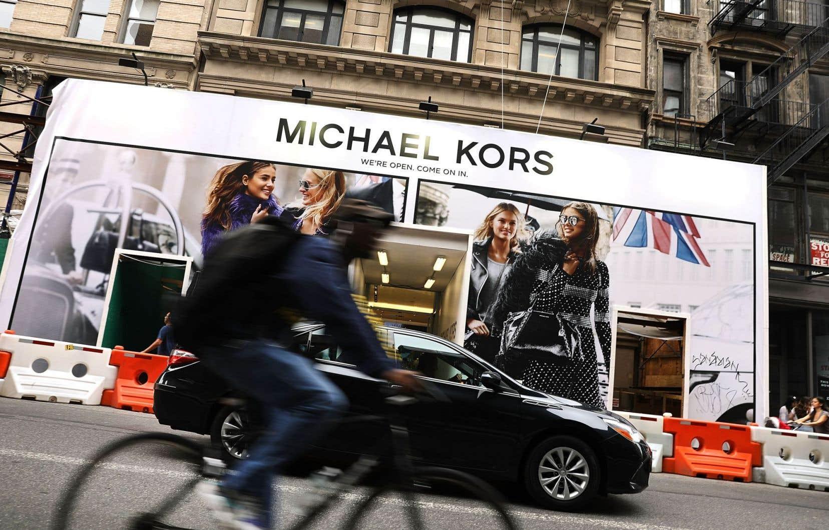 Michael Kors entend conserver la direction actuelle de Jimmy Choo et développer la société par l'ouverture de nouvelles boutiques et la vente en ligne.